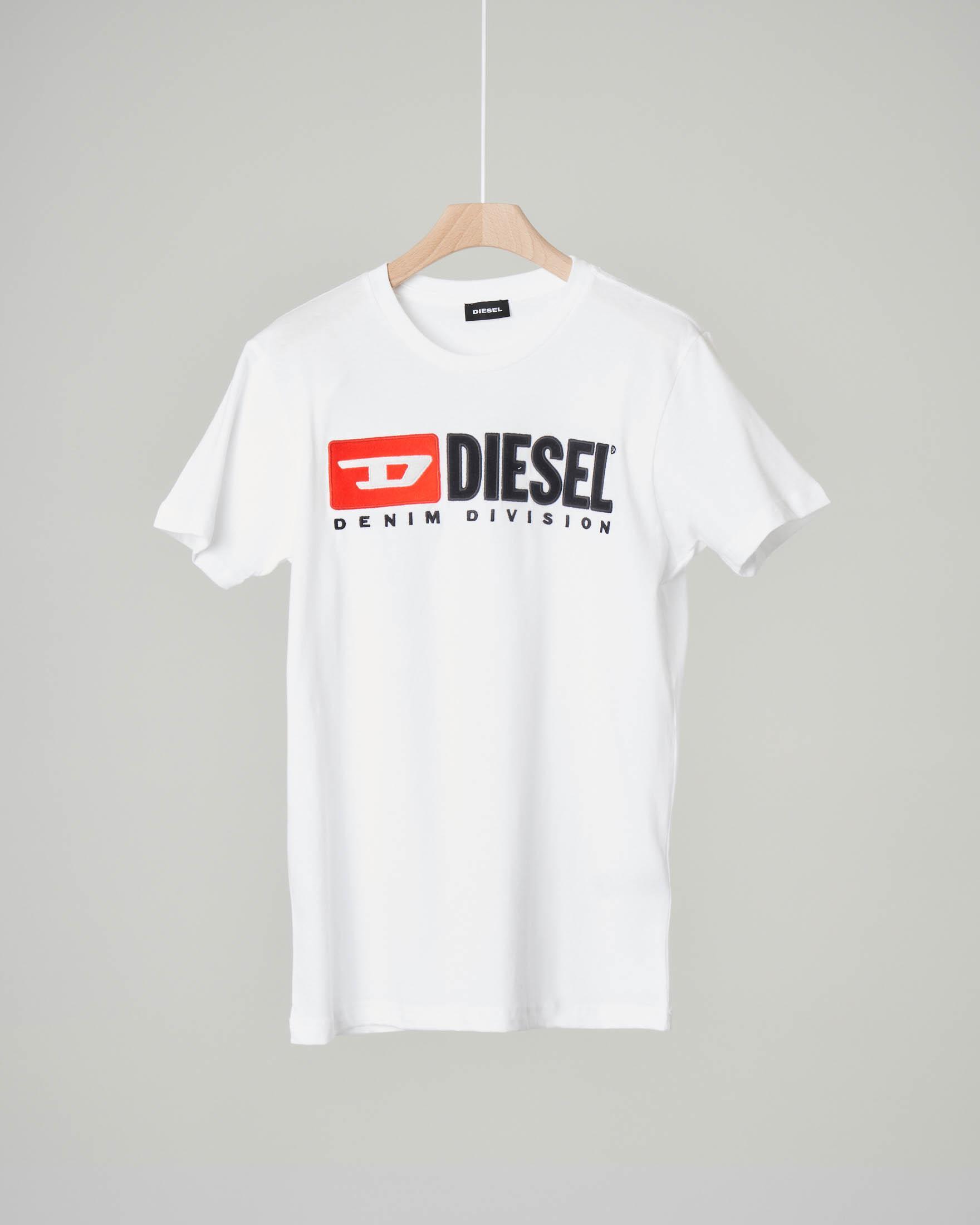 T-shirt bianca con logo vintage in feltro 8-16 anni