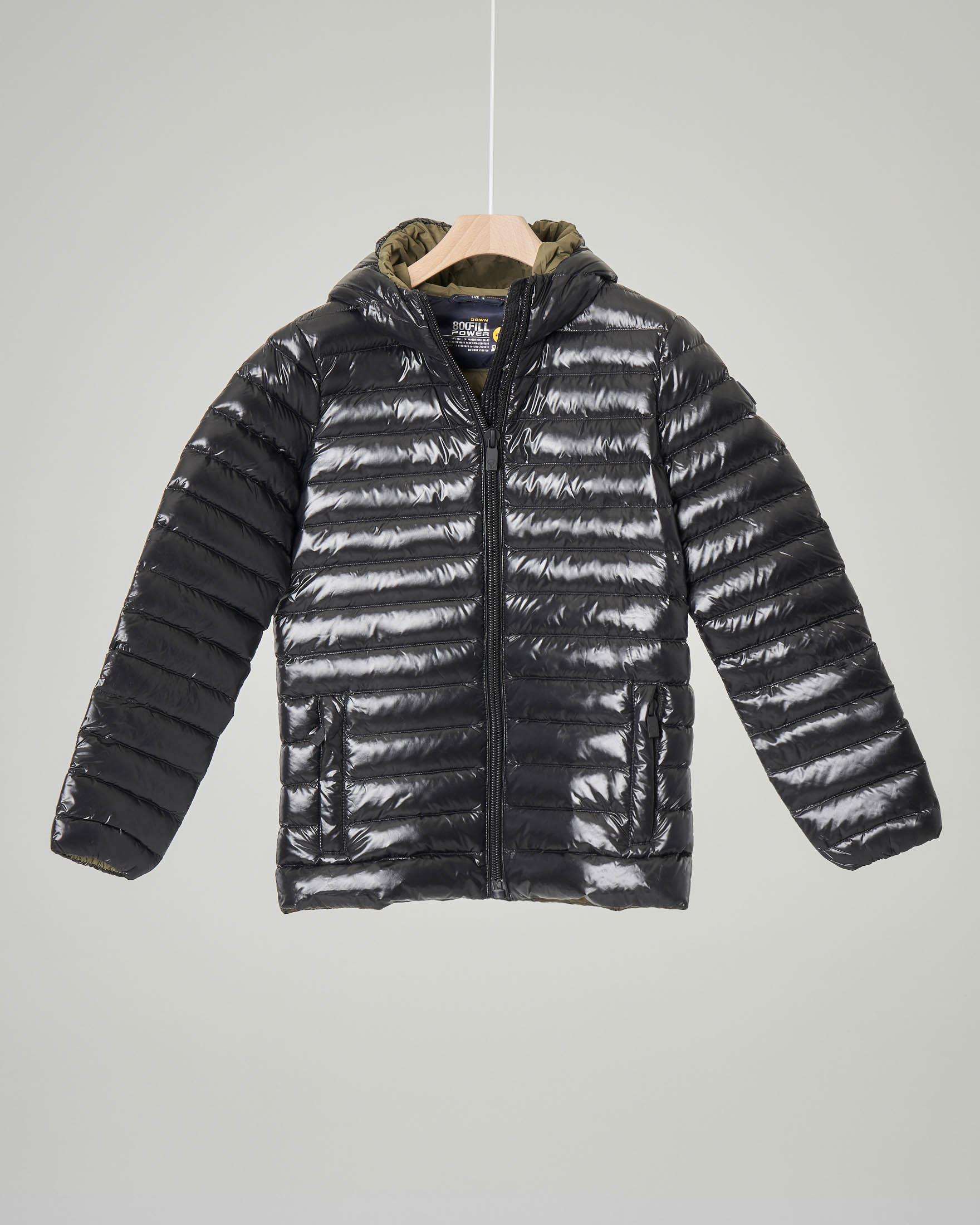 Piumino nero lucido con cappuccio 8 anni