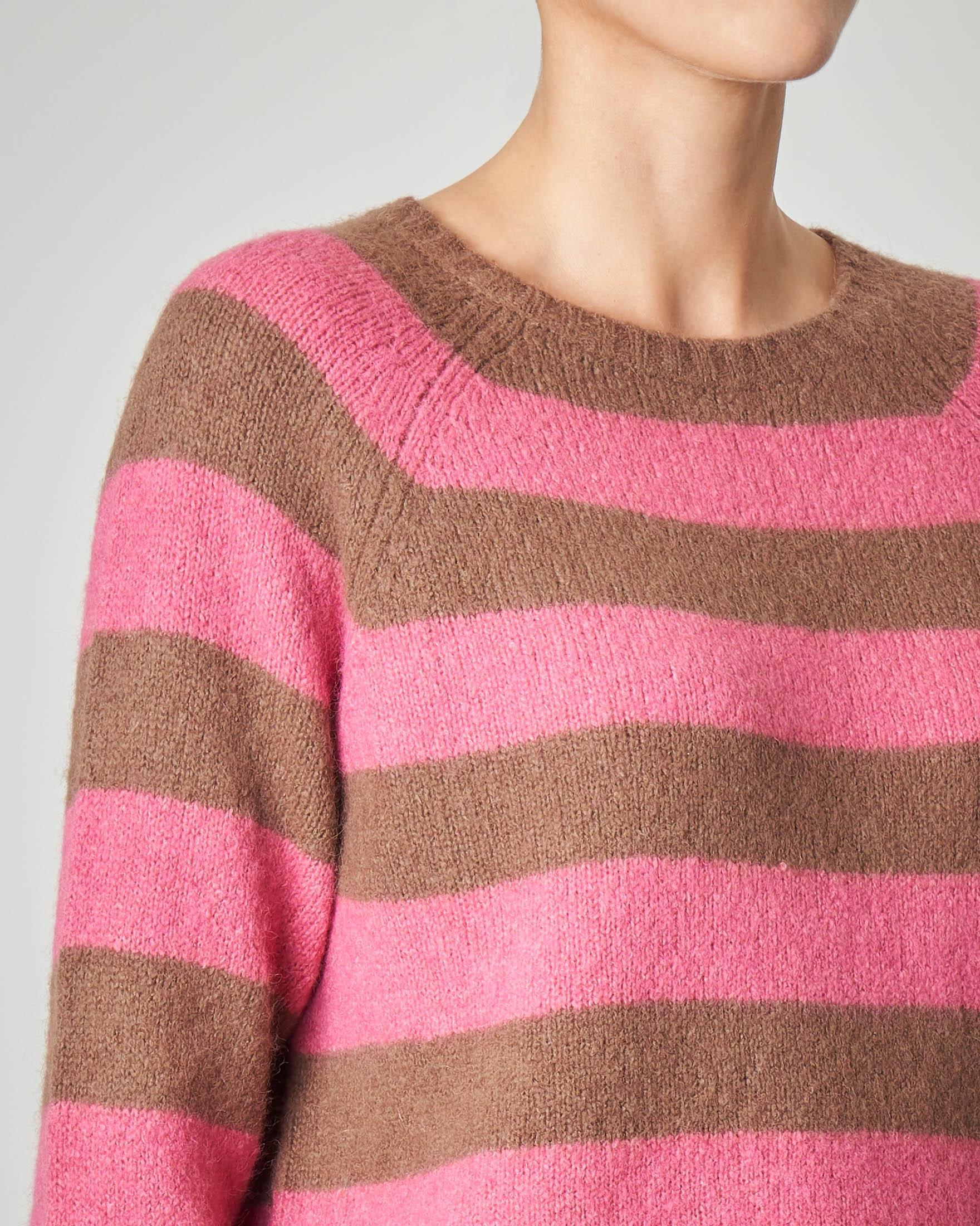 Maglia girocollo a righe cammello e rosa in maglia rasata misto alpaca