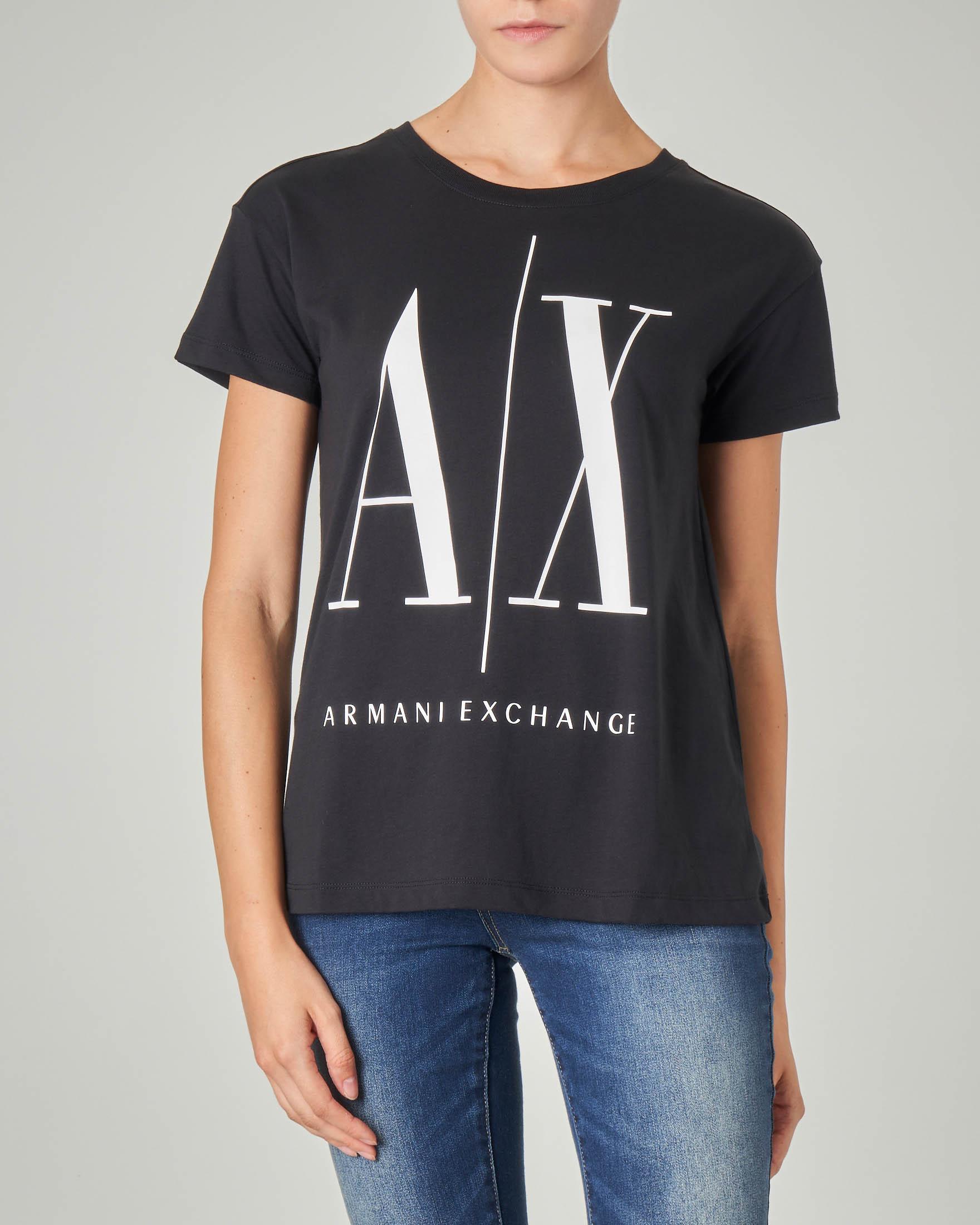 T-shirt nera in cotone con maxi scritta logo stampata a contrasto