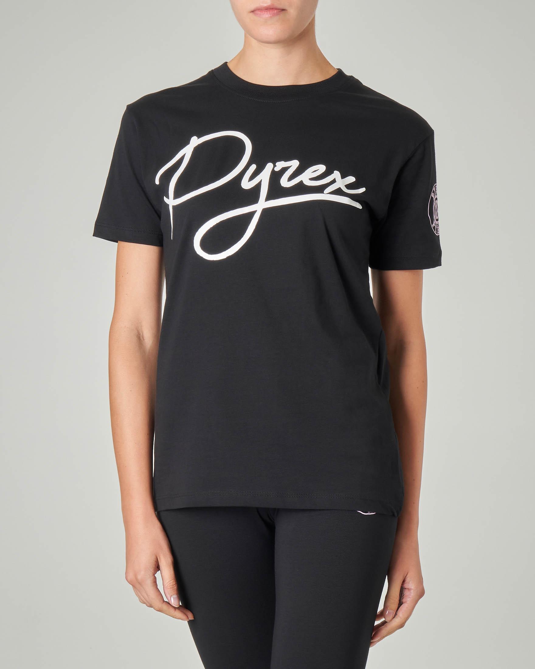 T-shirt nera in cotone con logo bianco