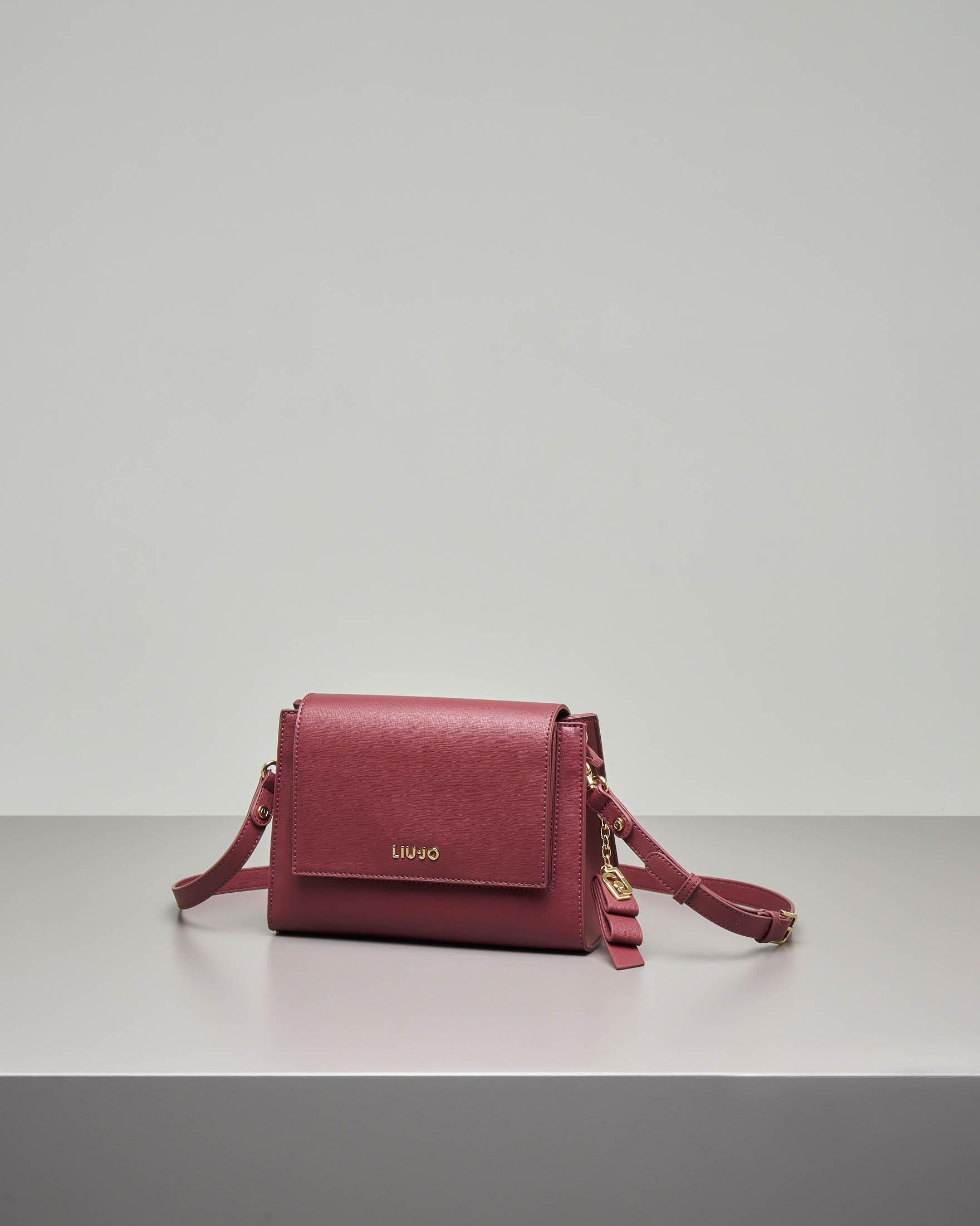 Cross body bag bordeaux in ecopelle effetto saffiano con patta