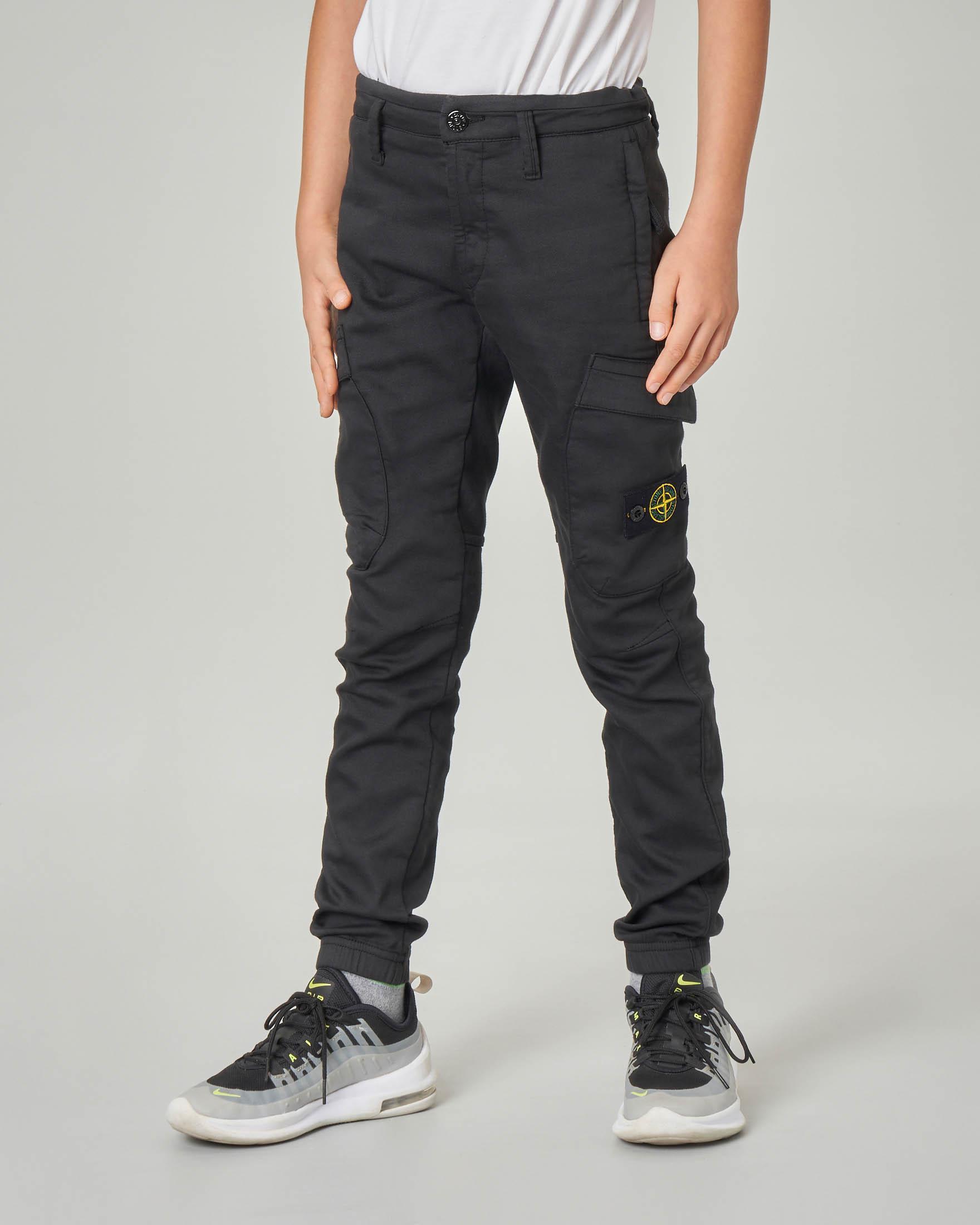 Pantalone cargo nero in tessuto stretch 10-12 anni