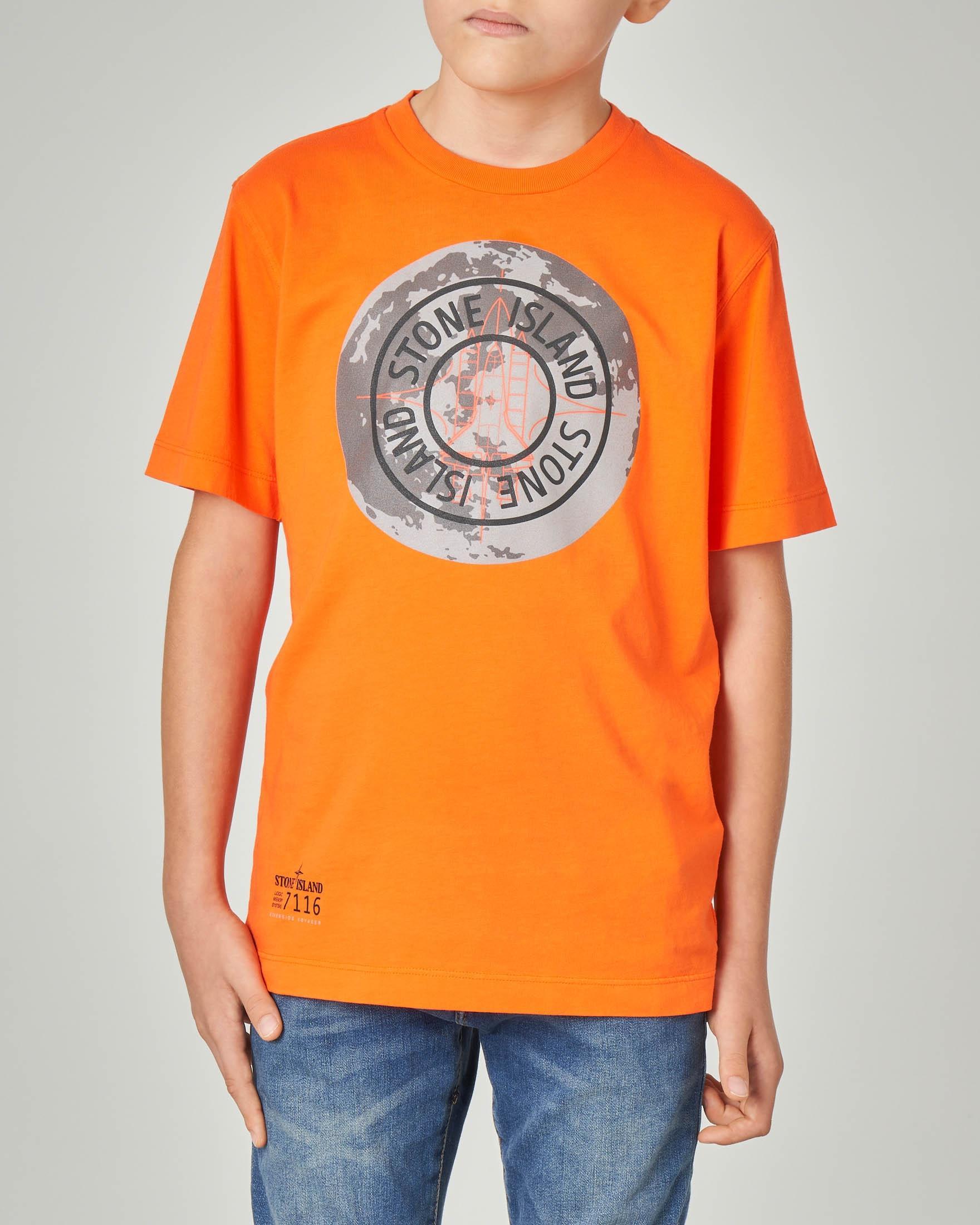 T-shirt arancione con stampa e logo 14 anni