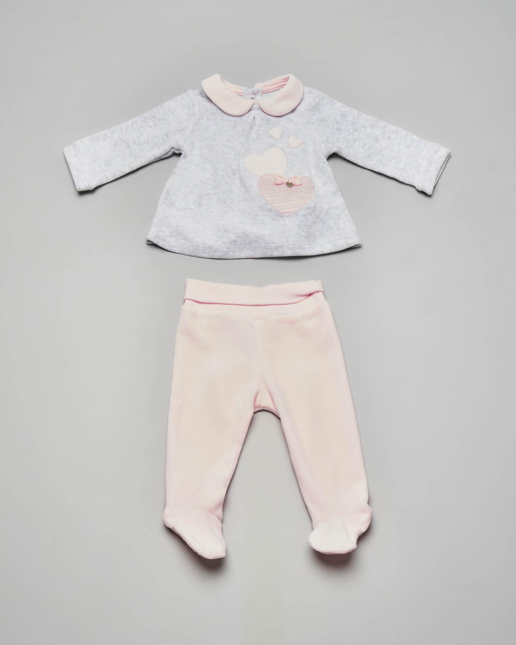 Completo maglia grigia con cuori ricamati e ghettina rosa 1-4