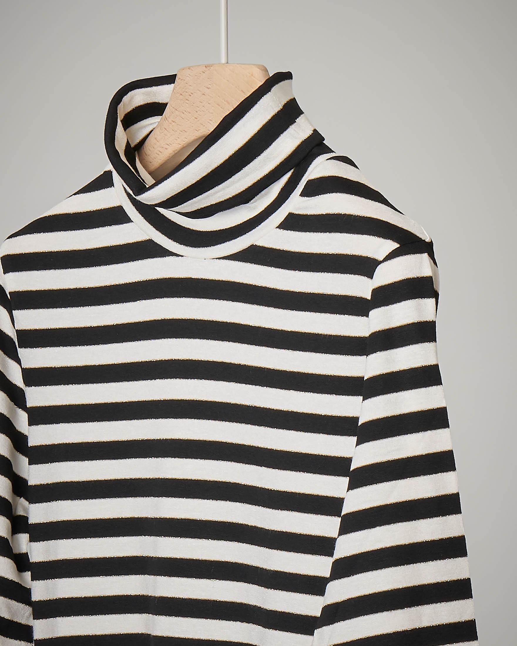 T-shirt a righe bianche e nere con collo alto 32-36