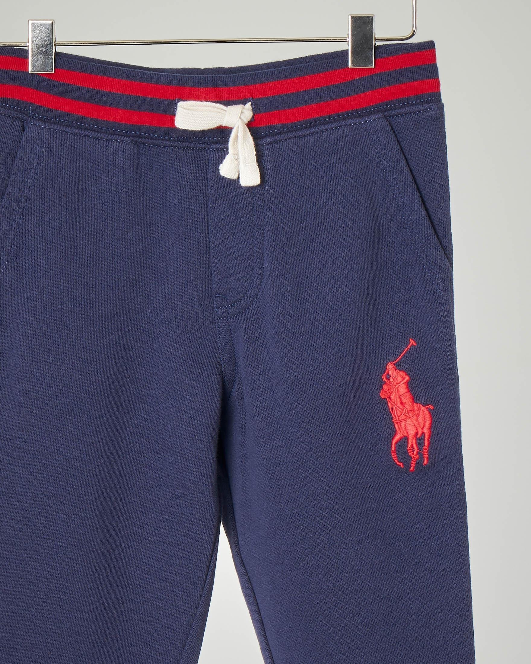 Pantalone blu in felpa con big-pony rosso ricamato 2-6 anni