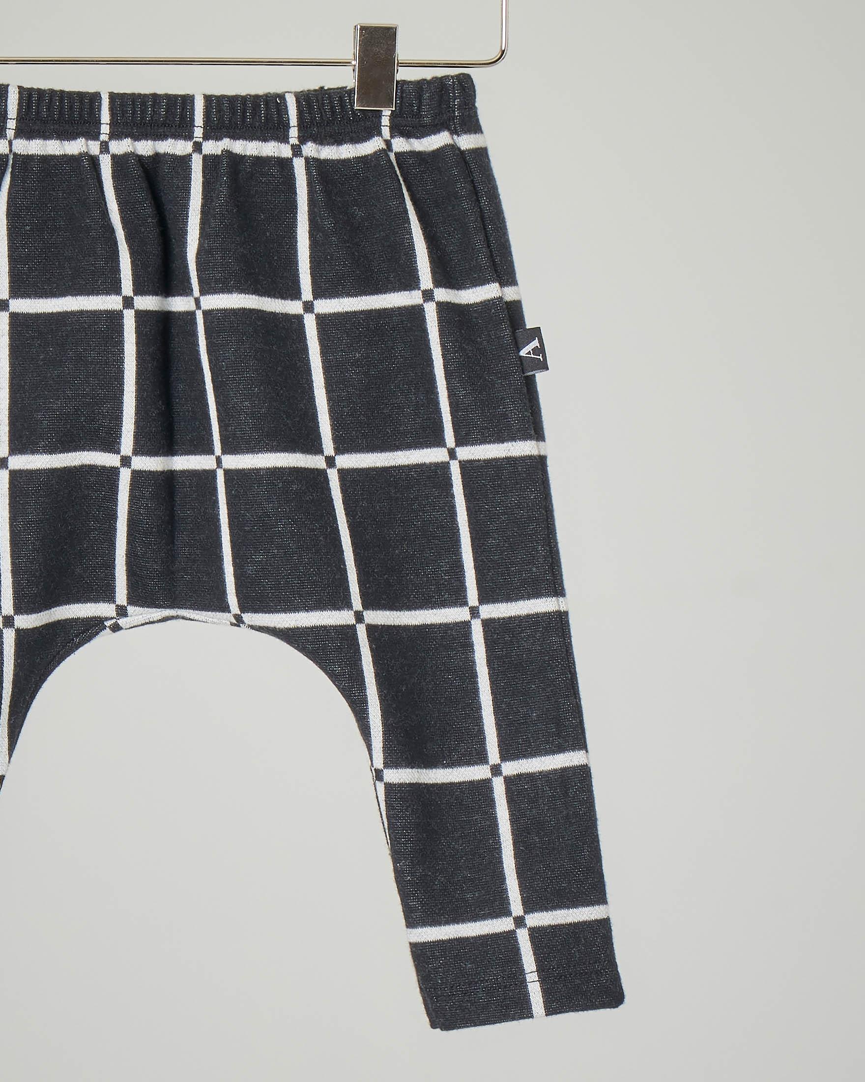 Pantalone grigio antracite con quadri bianchi 3-12 mesi
