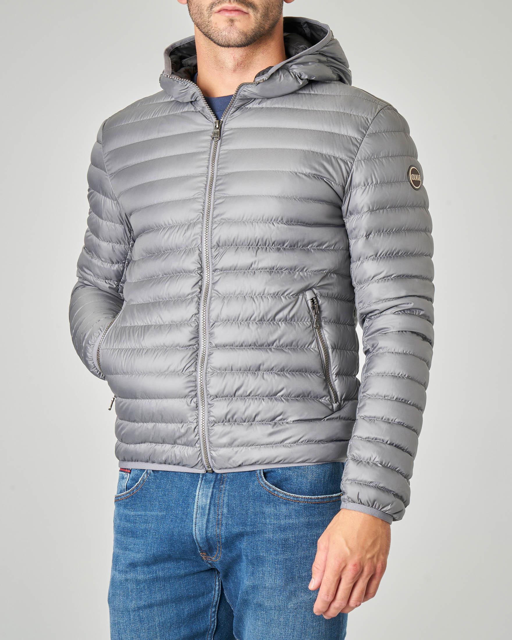Piumino grigio leggero con cappuccio fisso