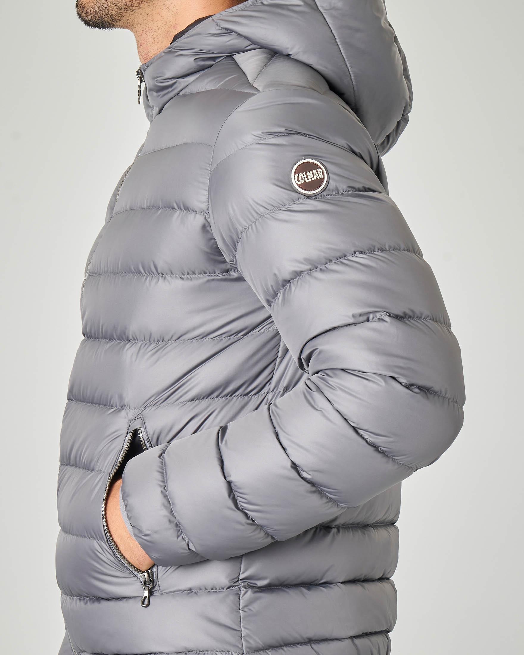 Piumino grigio con cappuccio fisso