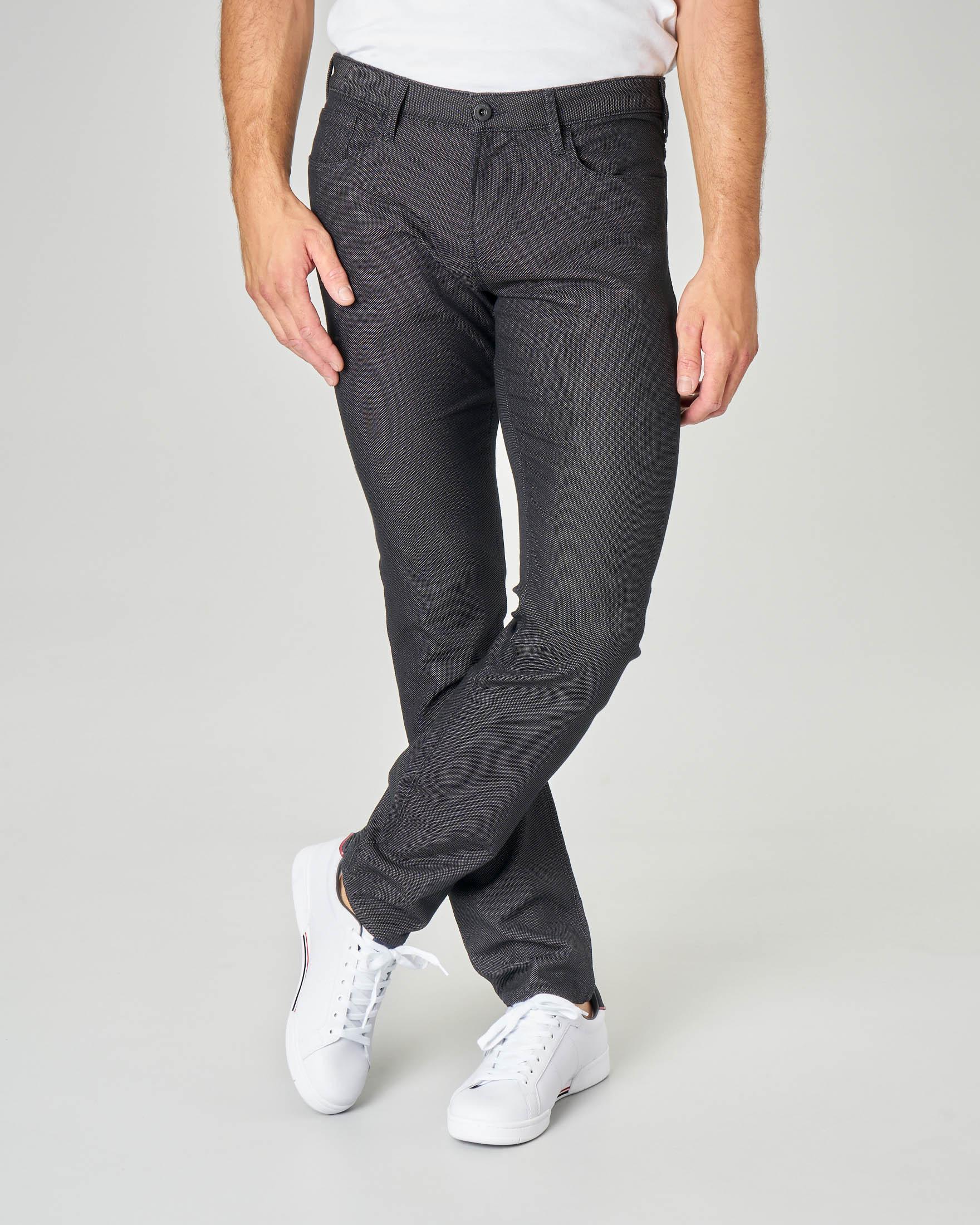 Pantalone nero cinque tasche in tessuto armaturato
