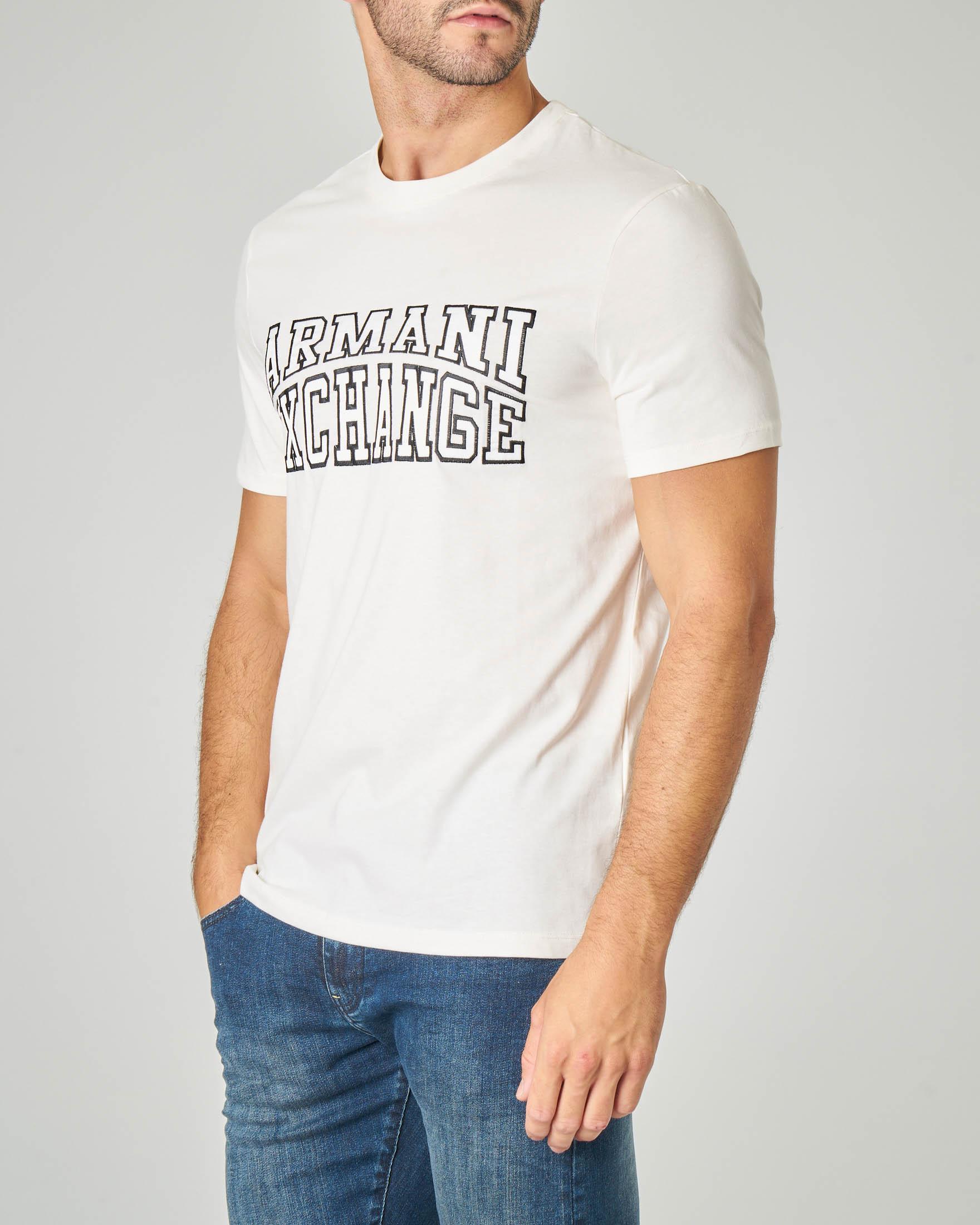 T-shirt mezza manica bianca con logo ricamato in rilievo