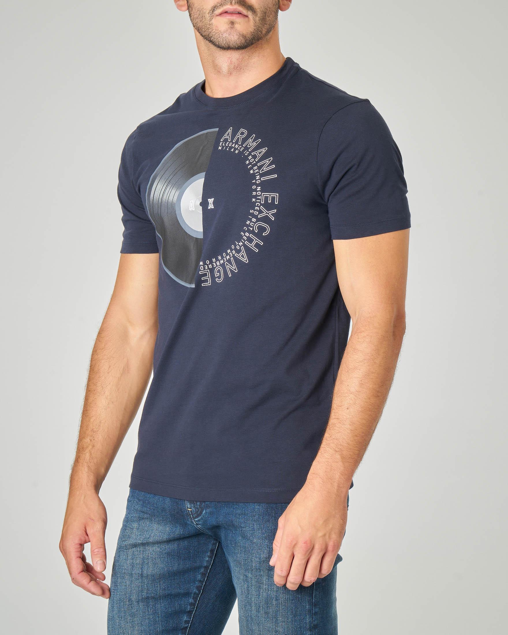 T-shirt mezza manica blu con stampa vinile e logo