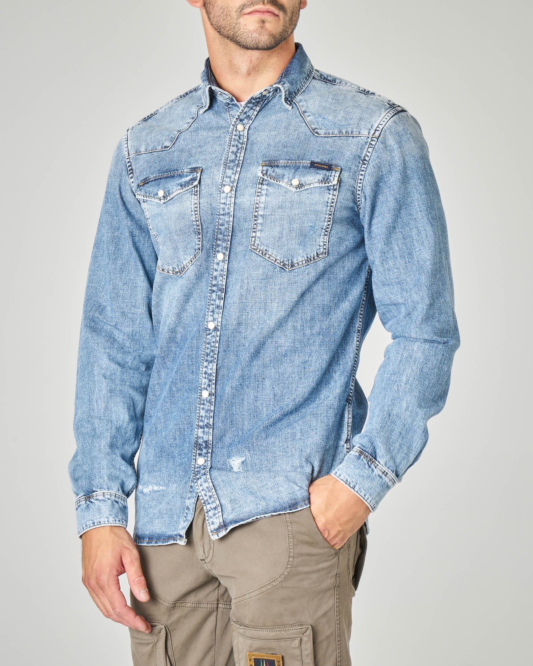 Camicia in denim modello western con micro-abrasioni