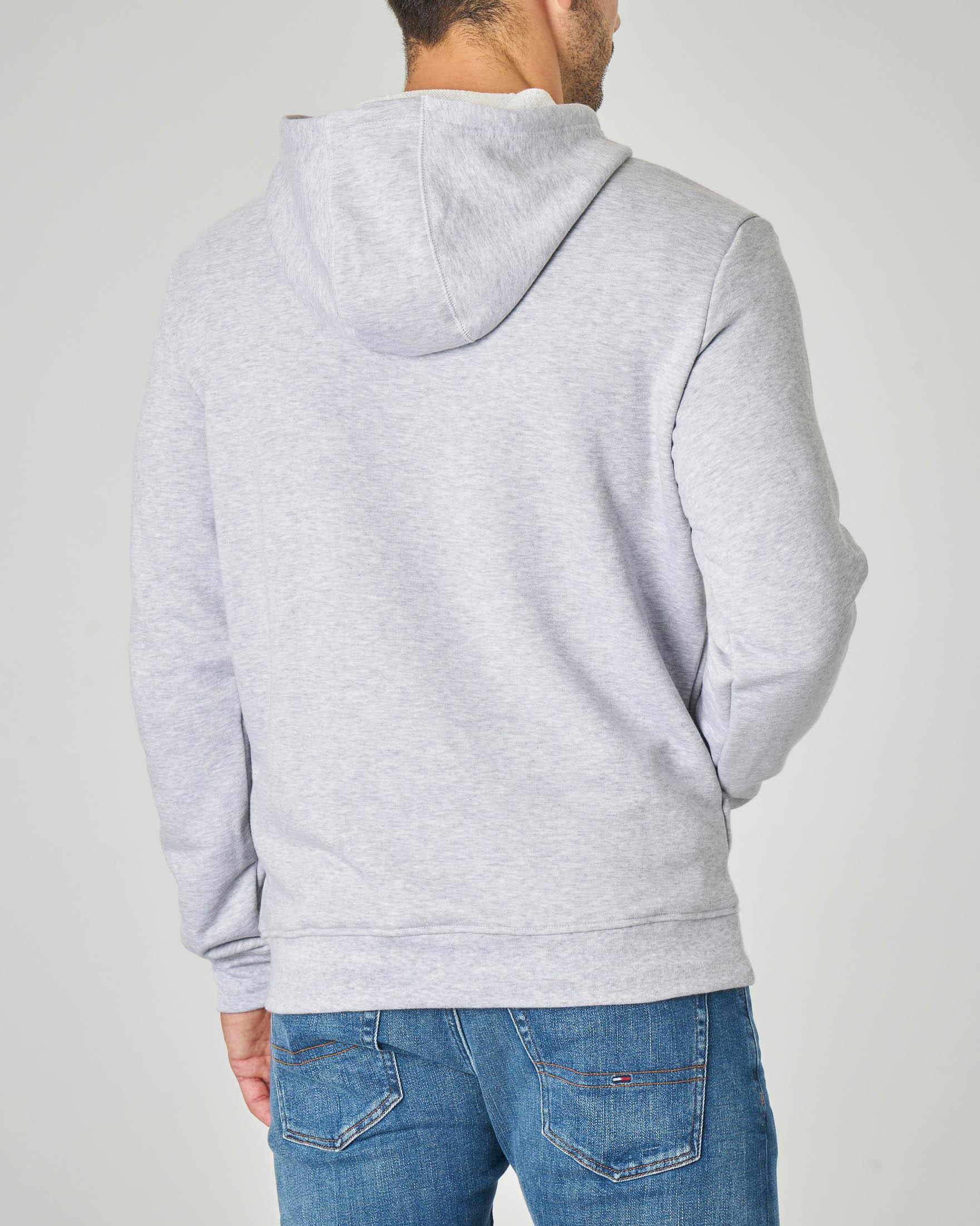 Felpa grigio chiaro con cappuccio, tasche a marsupio e maxi-logo coccodrillo stampato