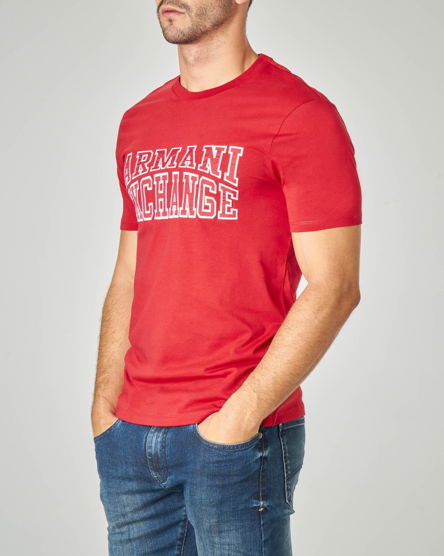 T-shirt mezza manica rossa con logo ricamato in rilievo