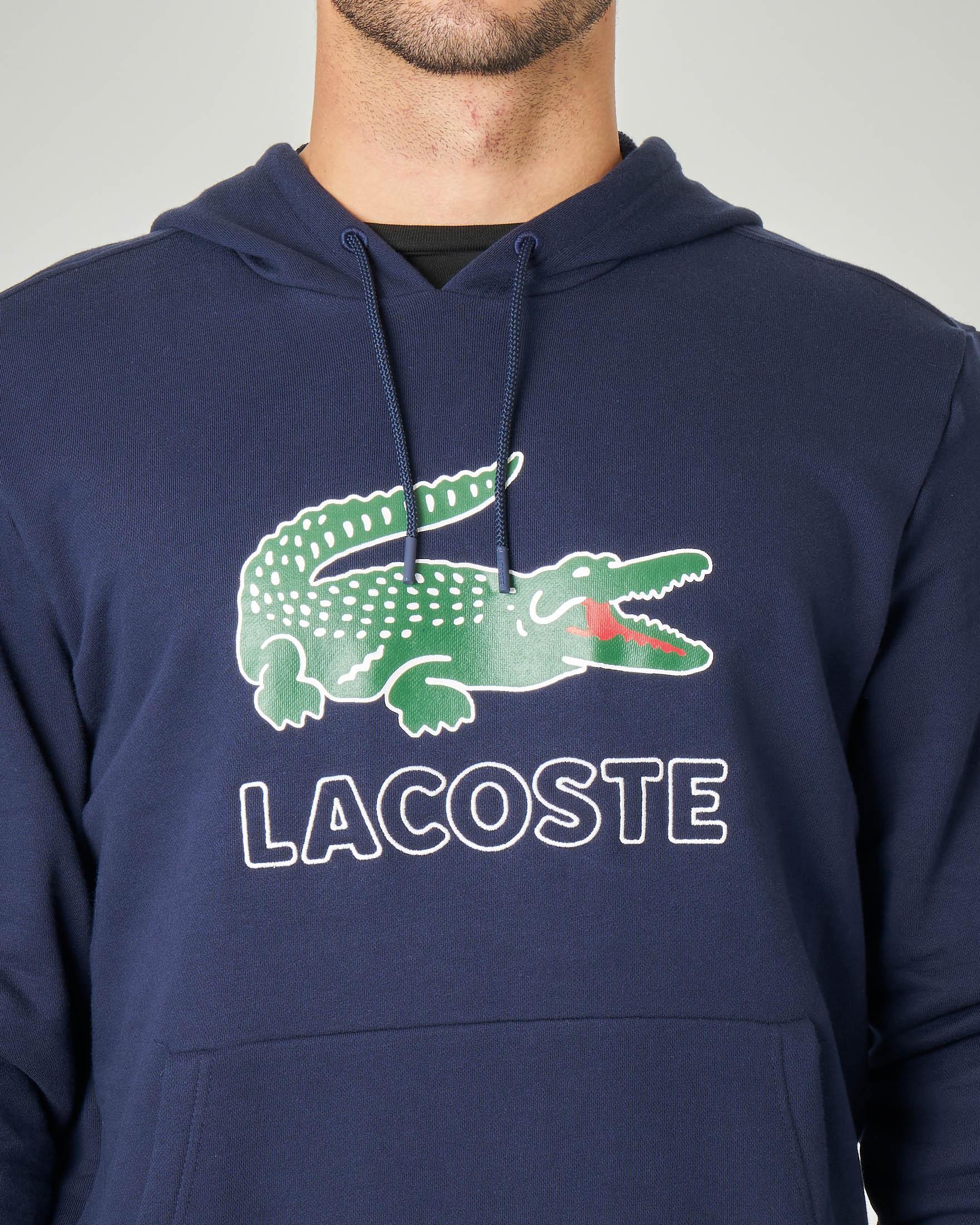Felpa blu con cappuccio, tasche a marsupio e maxi-logo coccodrillo stampato