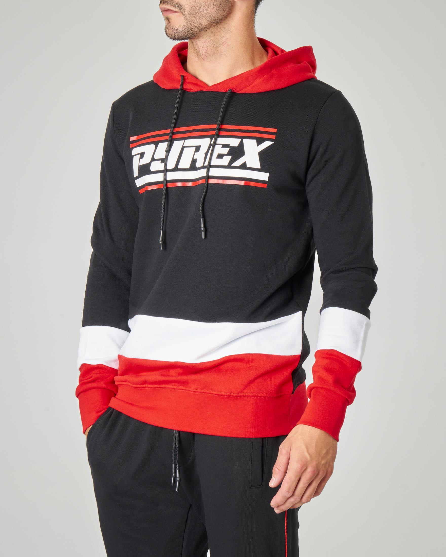 Felpa nera con cappuccio rosso e grafica logo racing
