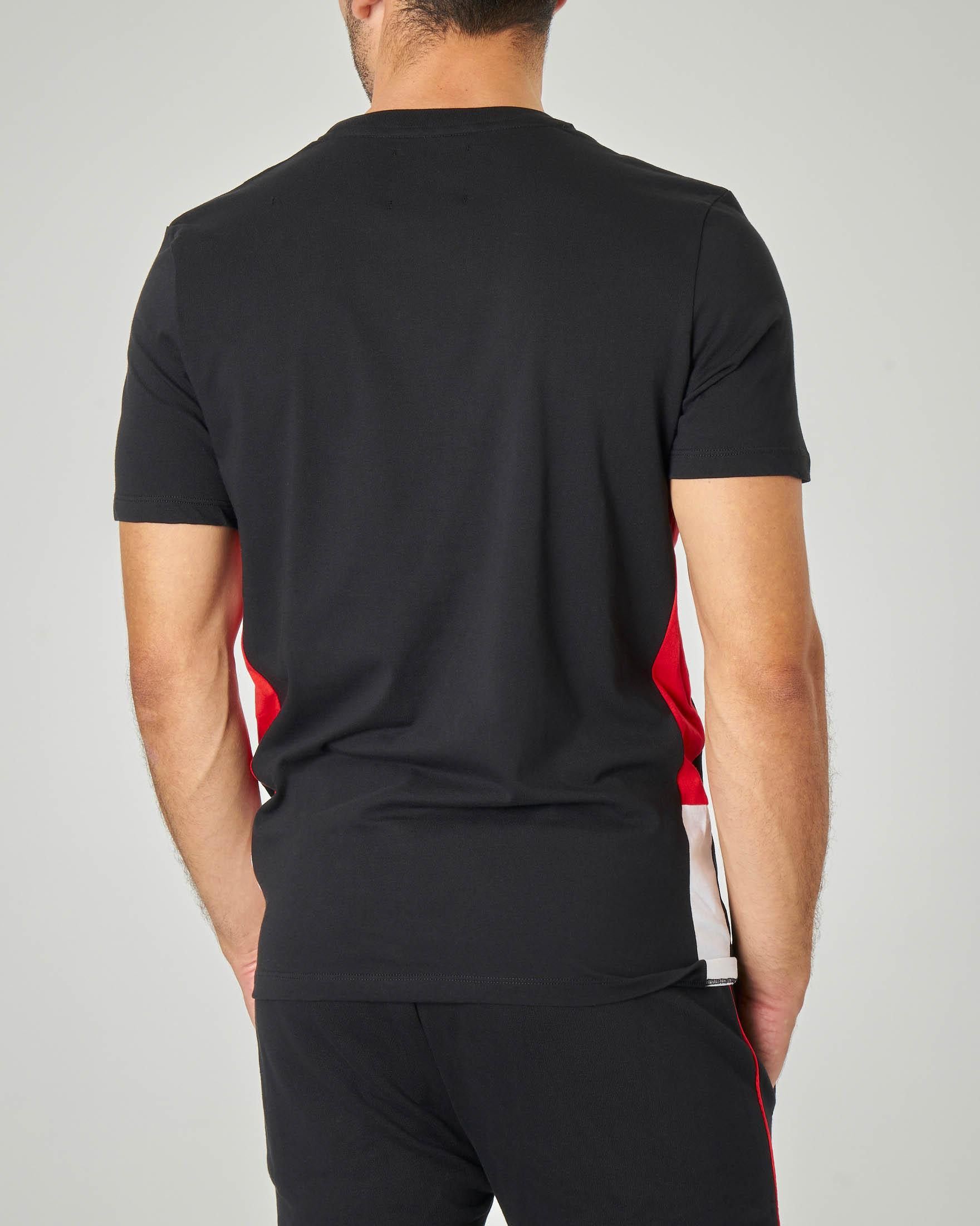 T-shirt nera con logo Pyrex in stile racing