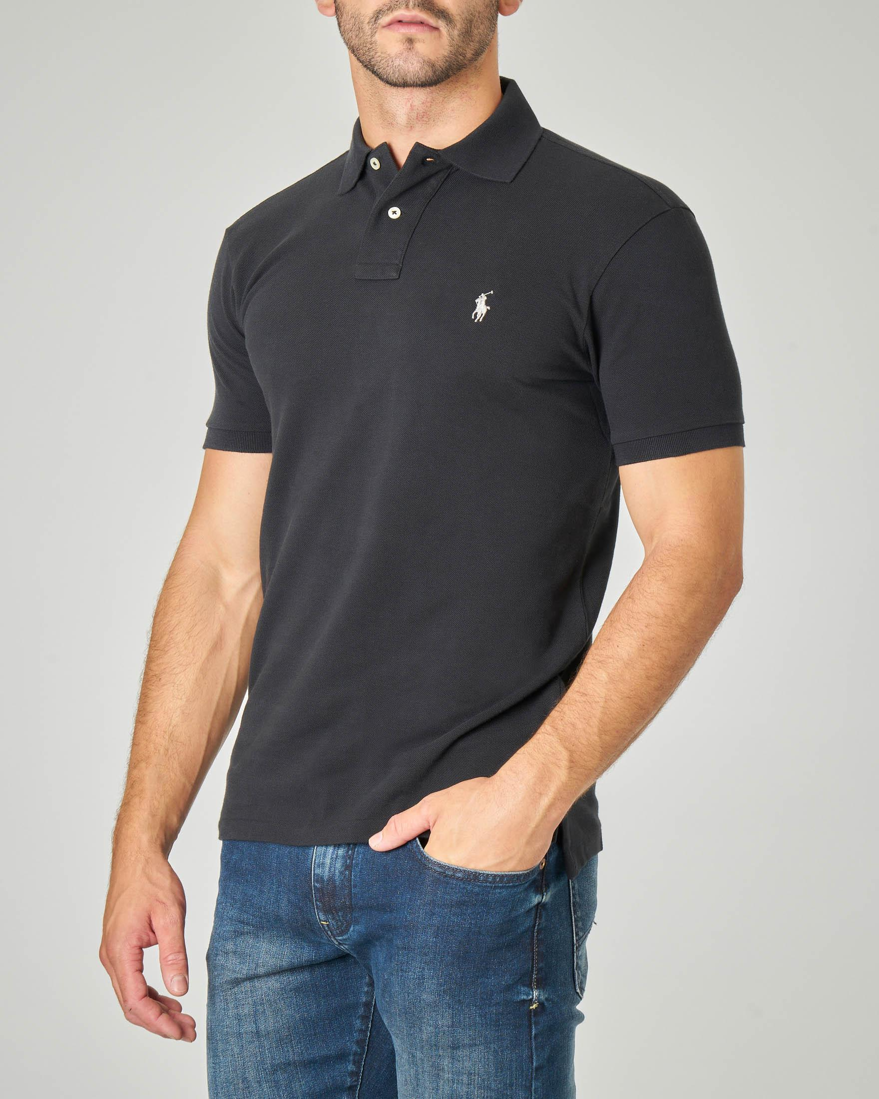 Polo nera in piquet slim-fit