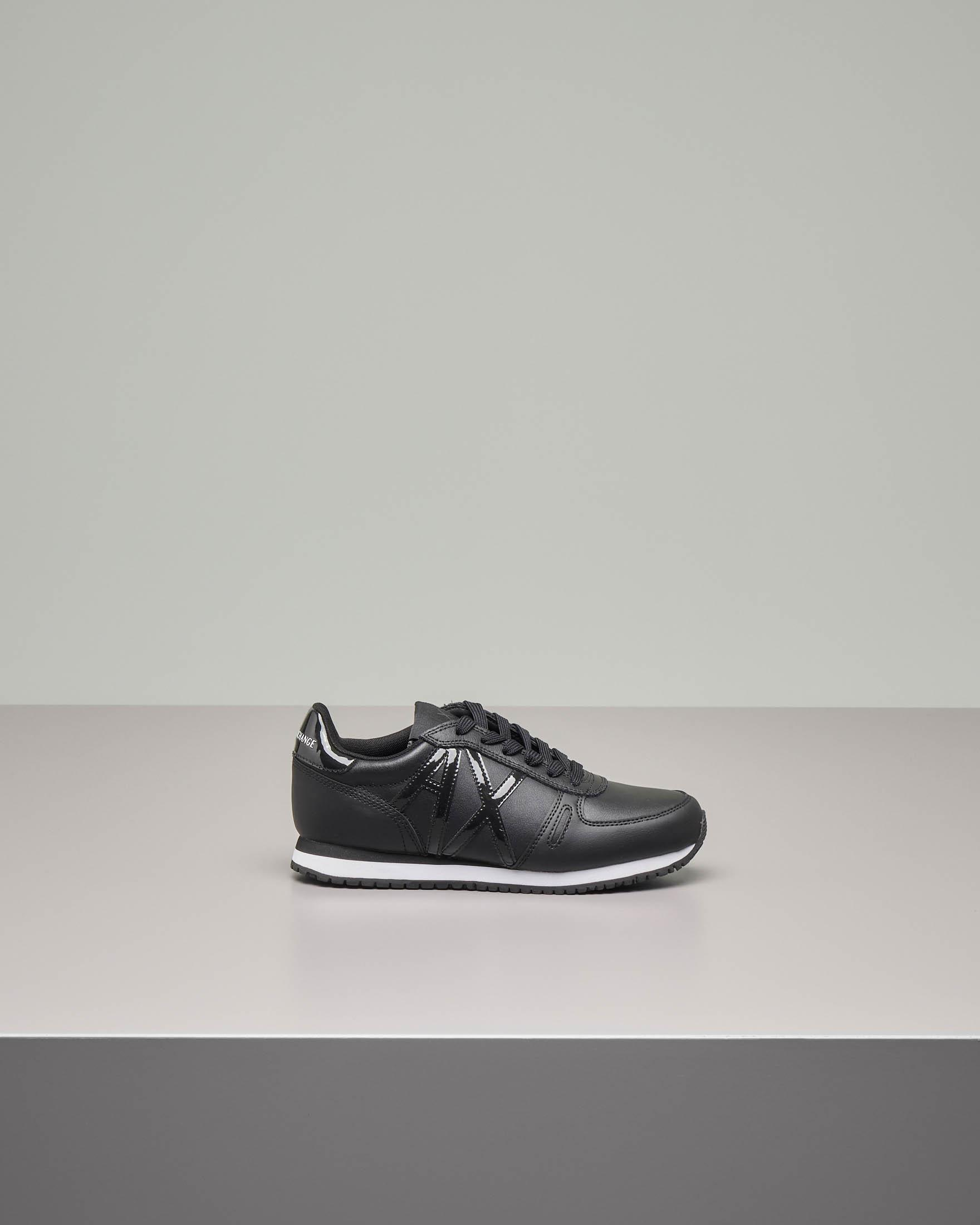 Sneakers nere in pelle con logo AX in vernice tono su tono