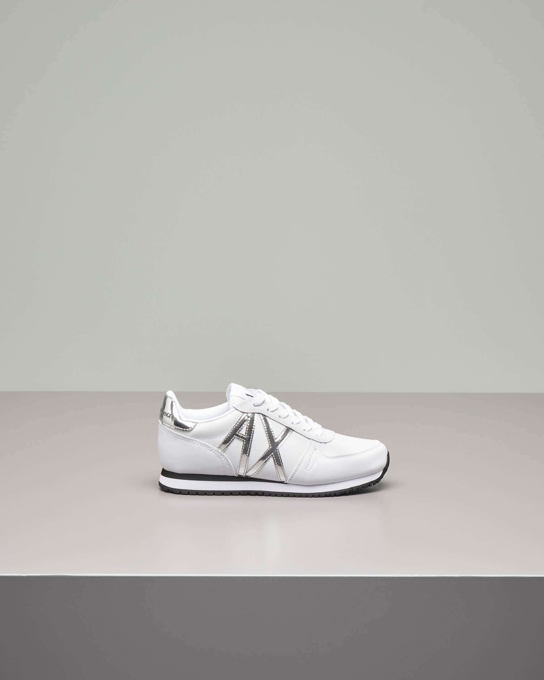 Sneakers bianche in pelle con logo AX in vernice argento