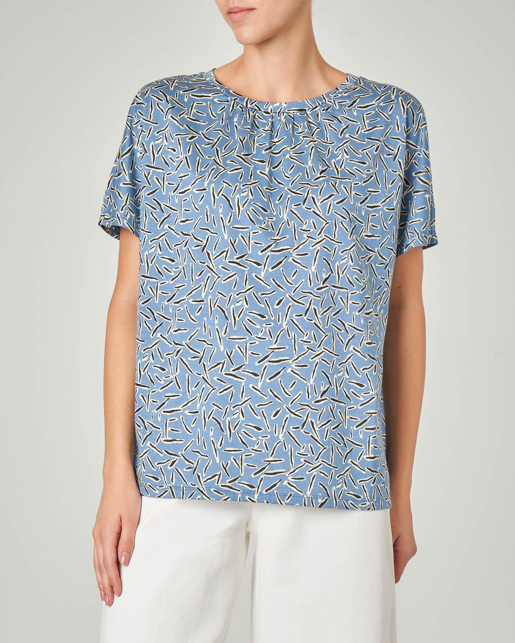 T-shirt girocollo in cotone color acqua a fantasia