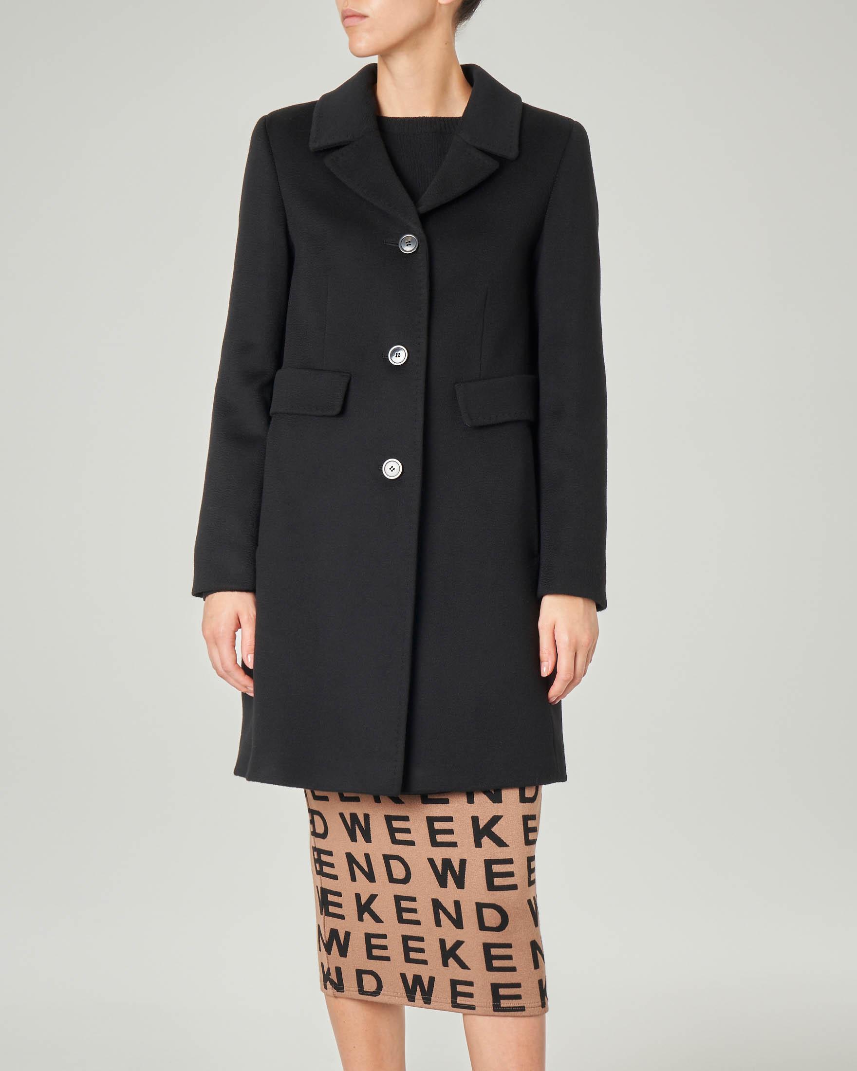 Cappotto nero in pura lana vergine con collo a rever