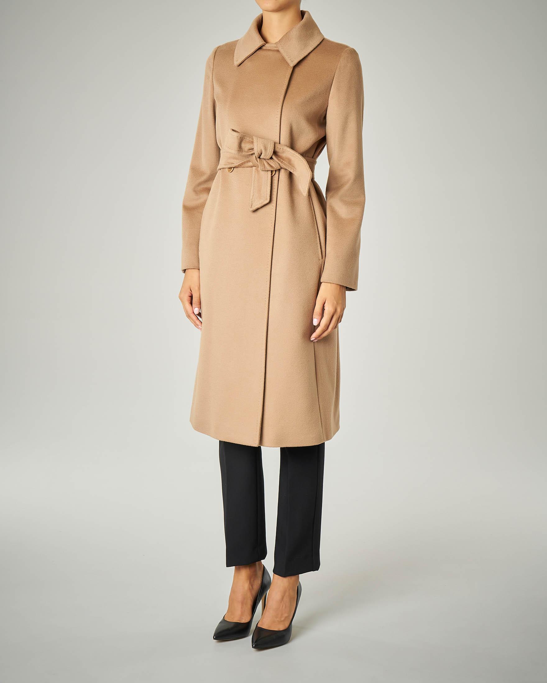 Cappotto cammello in pura lana con cintura con colletto a punta