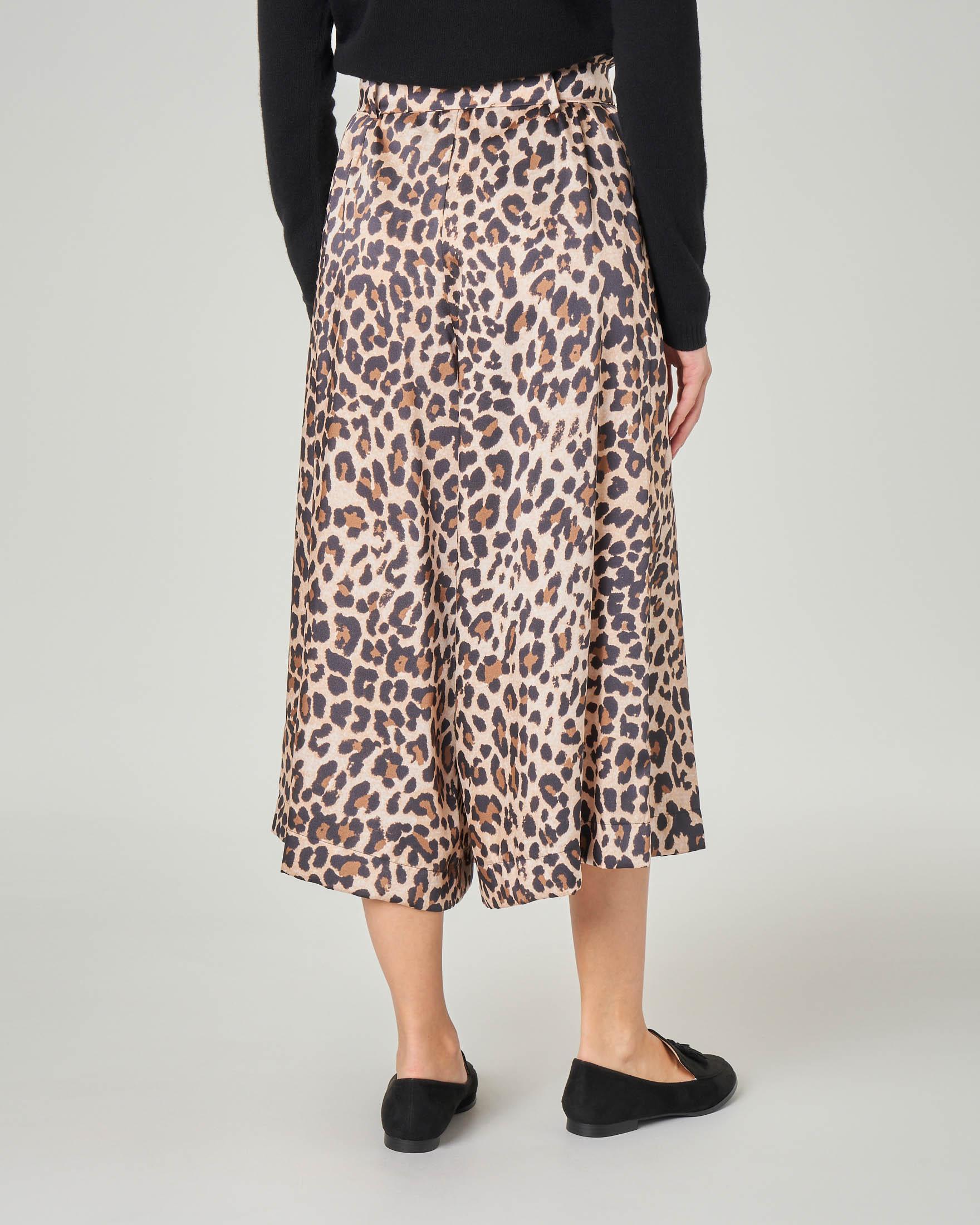Pantaloni culotte a stampa animalier a vita alta