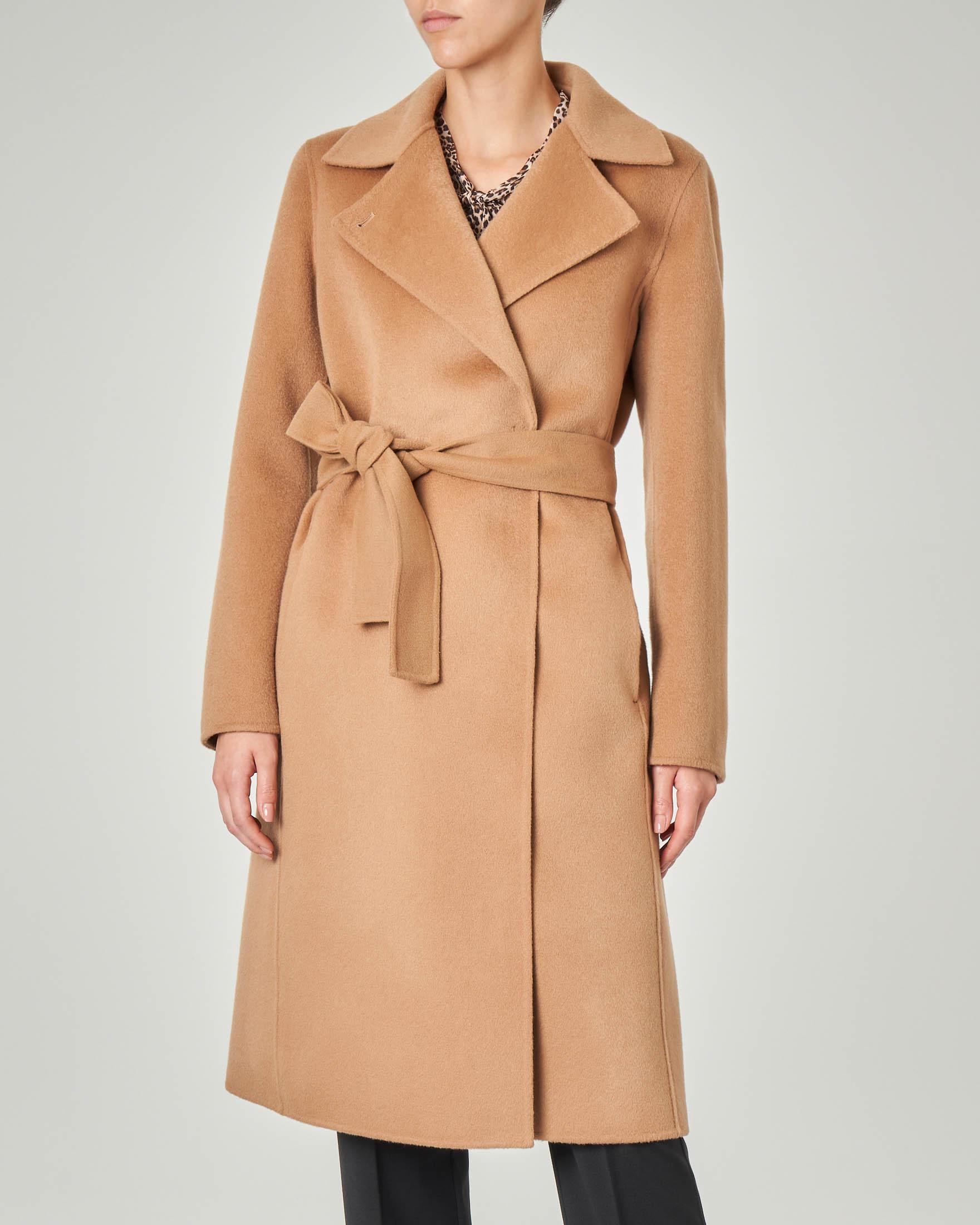 Cappotto cammello in panno di lana con collo a rever e cintura