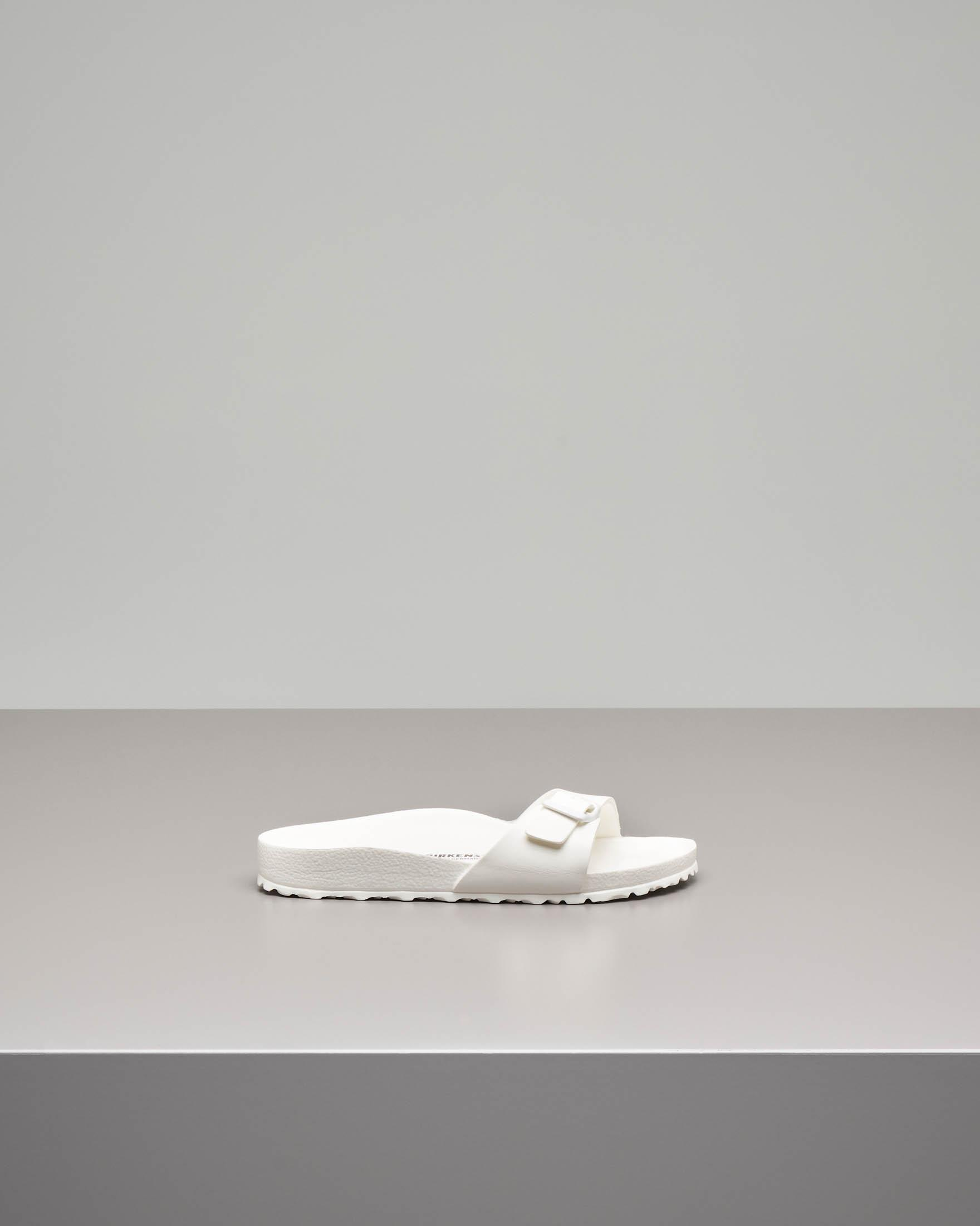 Sandalo Madrid in EVA bianco con fascetta e fibbia tono su tono