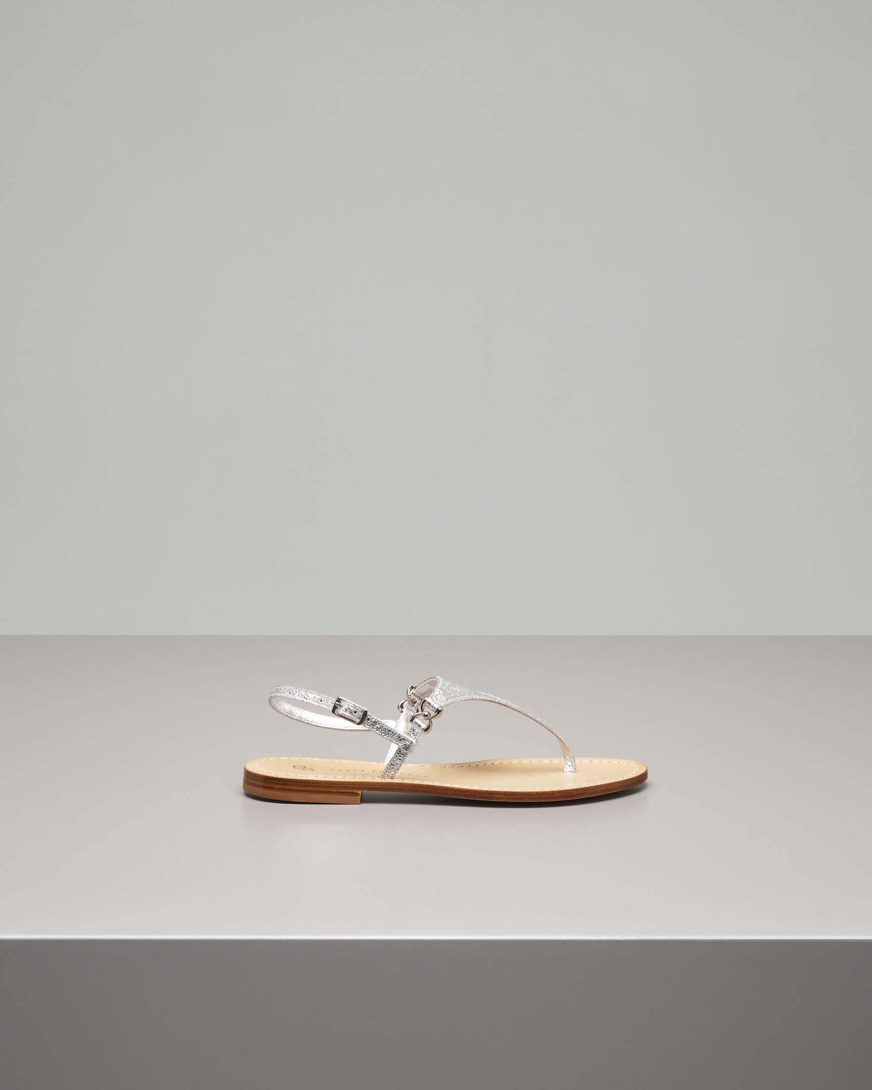 Sandali infradito in pelle color argento effetto cracklè