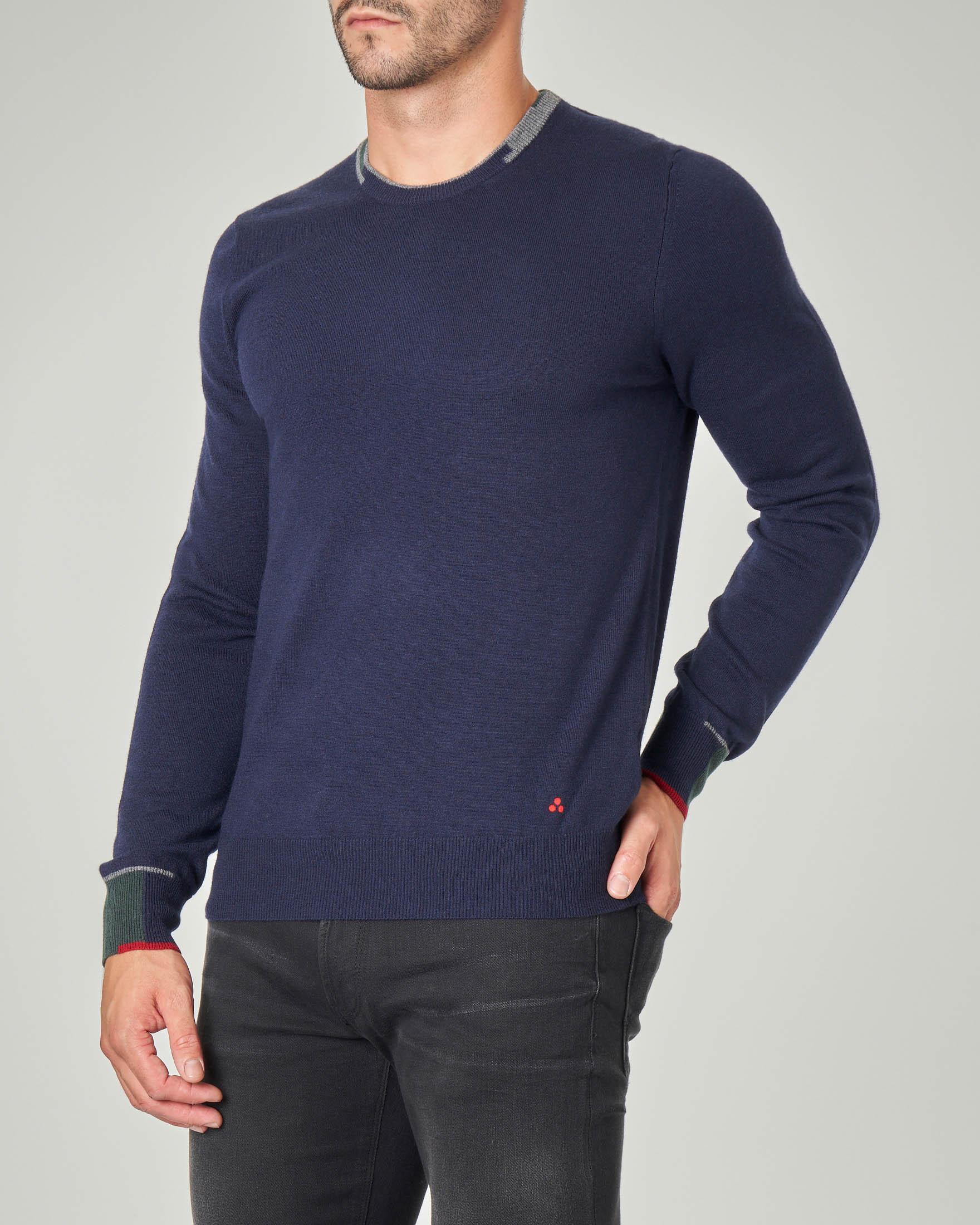 Maglia blu girocollo con dettagli in contrasto colore su collo e maniche