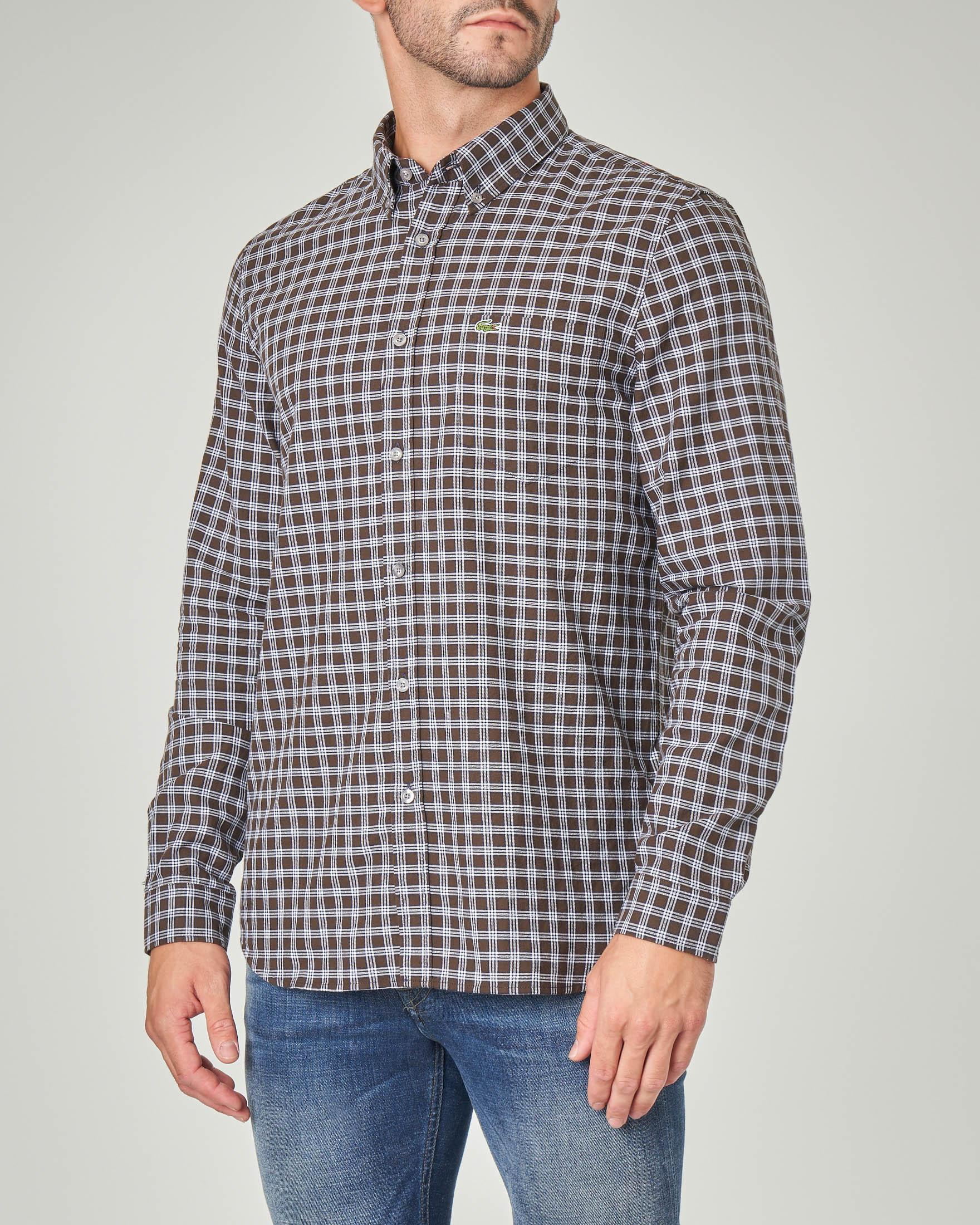 Camicia a quadretti con collo button down