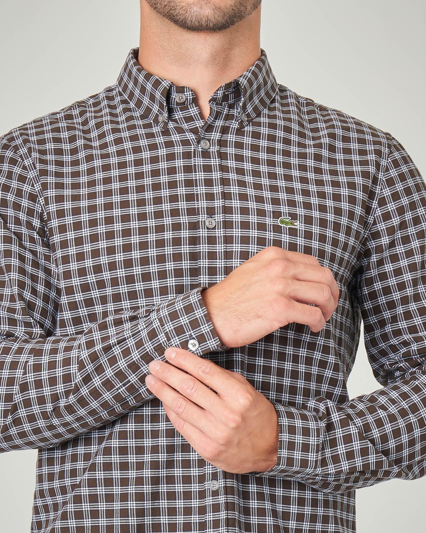 Camicia a quadretti con collo button down