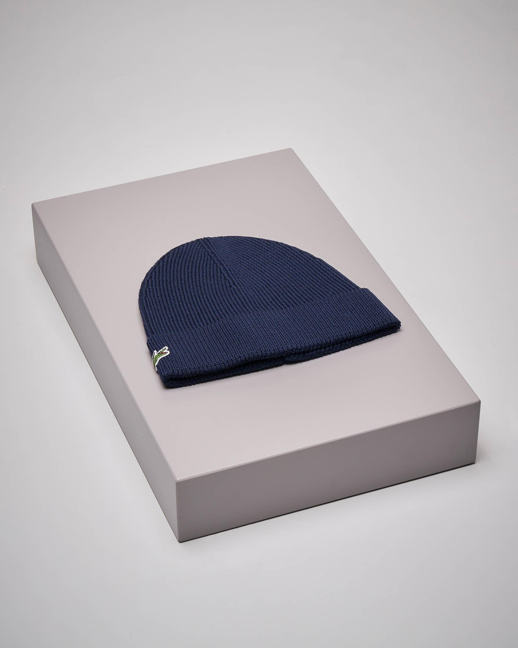 Berretto blu in lana