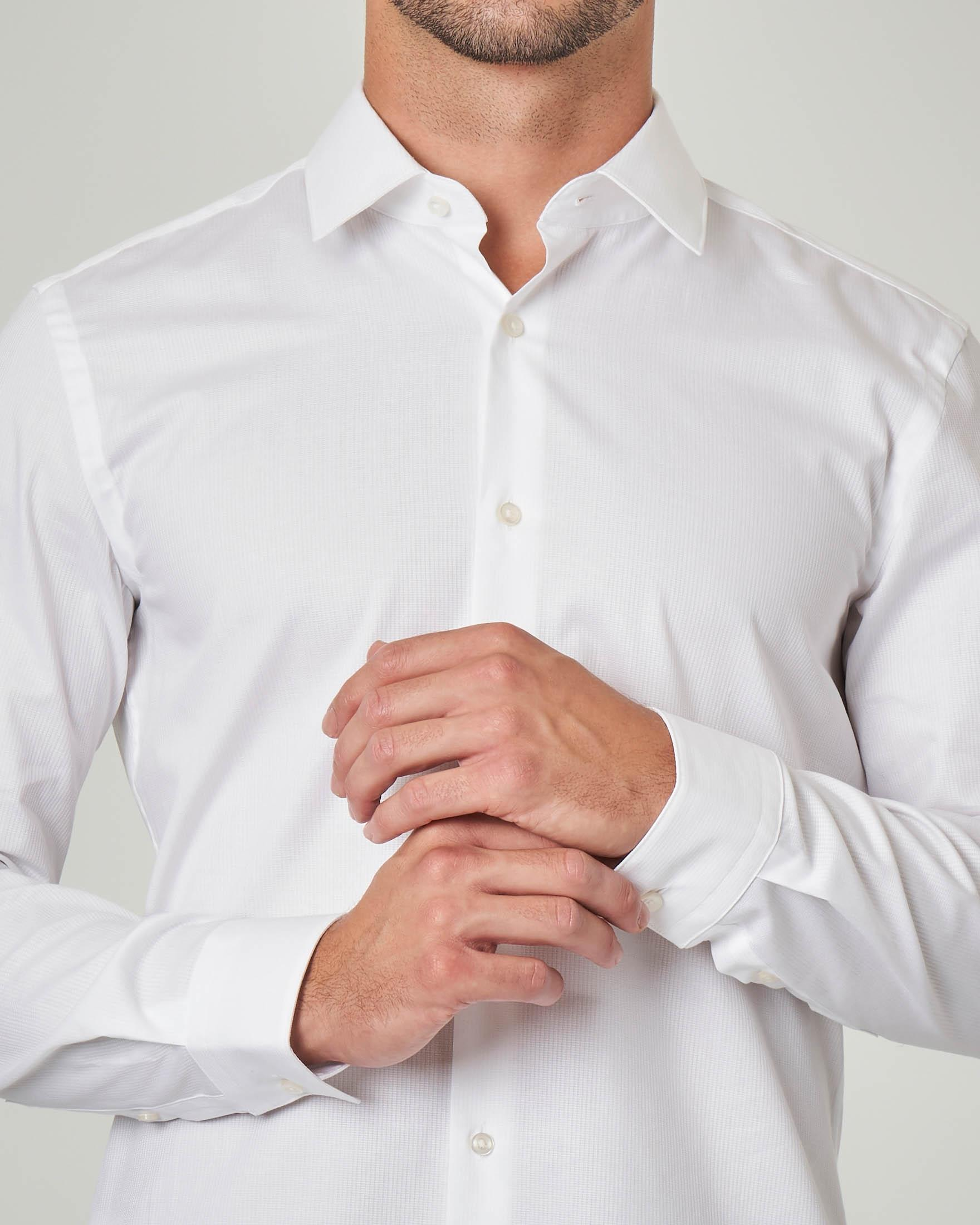 Camicia bianca micro riga verticale con collo all'italiana