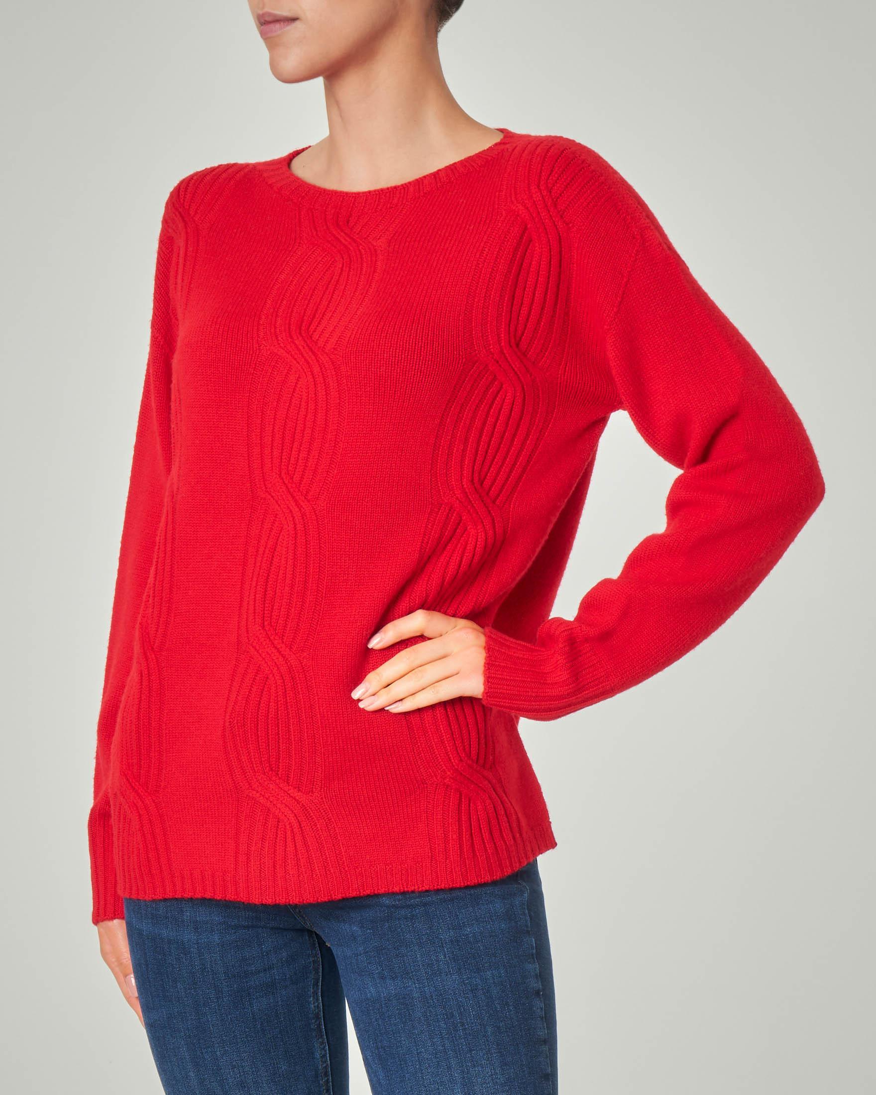 Maglia girocollo rossa in lana con lavorazione a trecce
