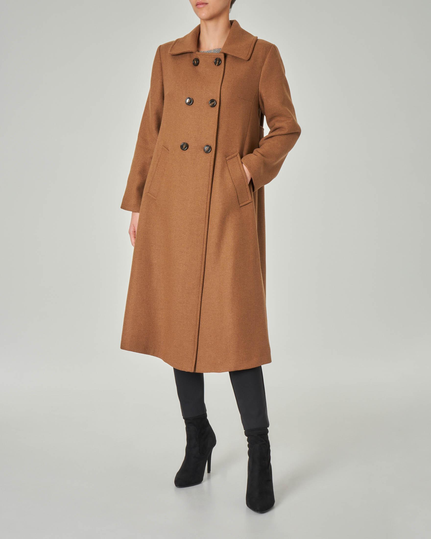 Cappotto color cammello doppiopetto in tessuto misto lana