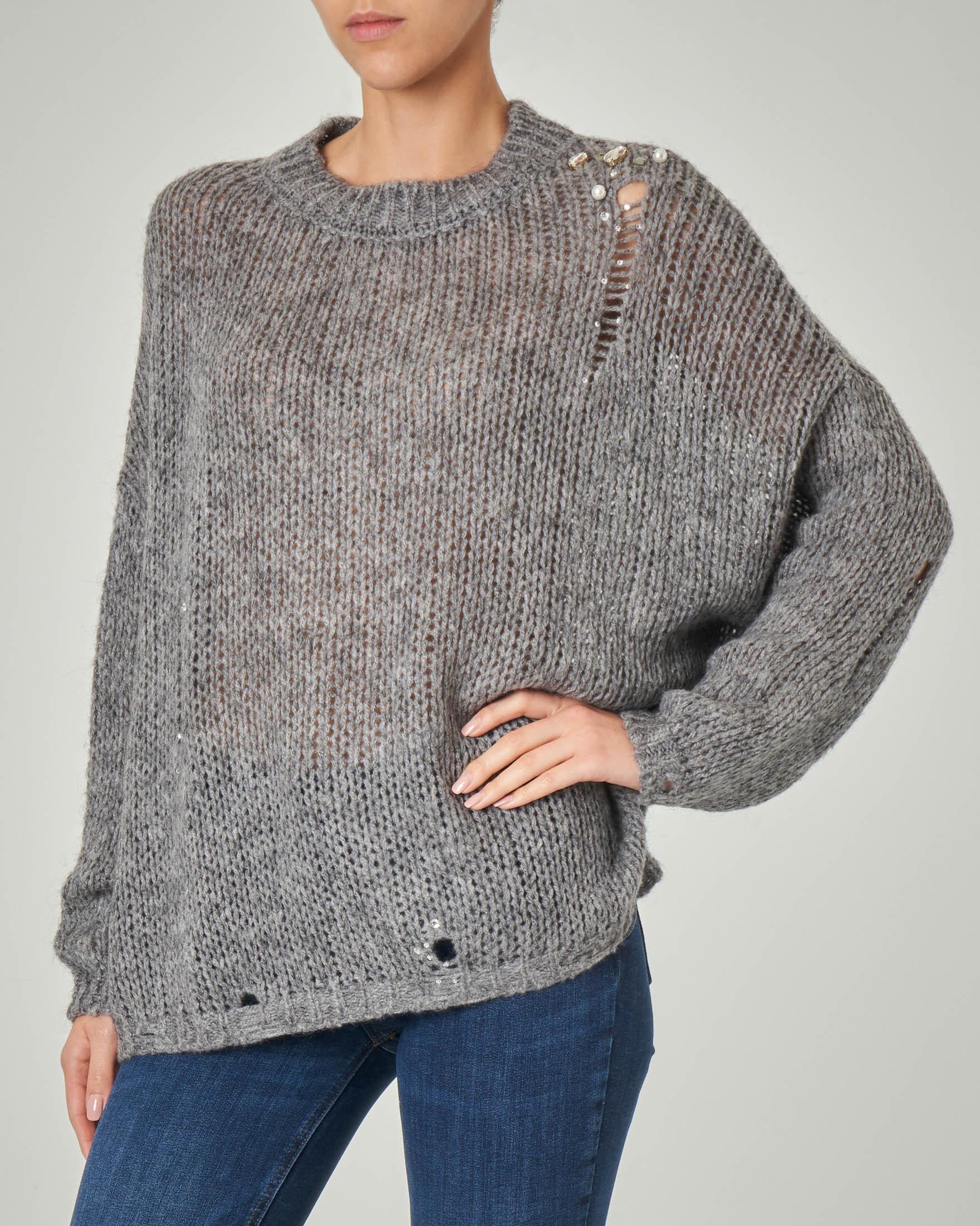 Maglia over color grigio in lana misto mohair con applicazione di pietre e lavorazione traforata