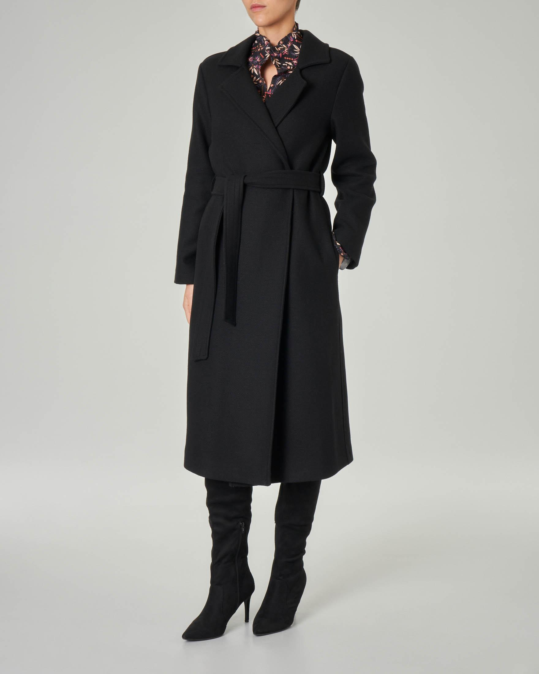 Cappotto nero a vestaglia in misto lana con collo a rever