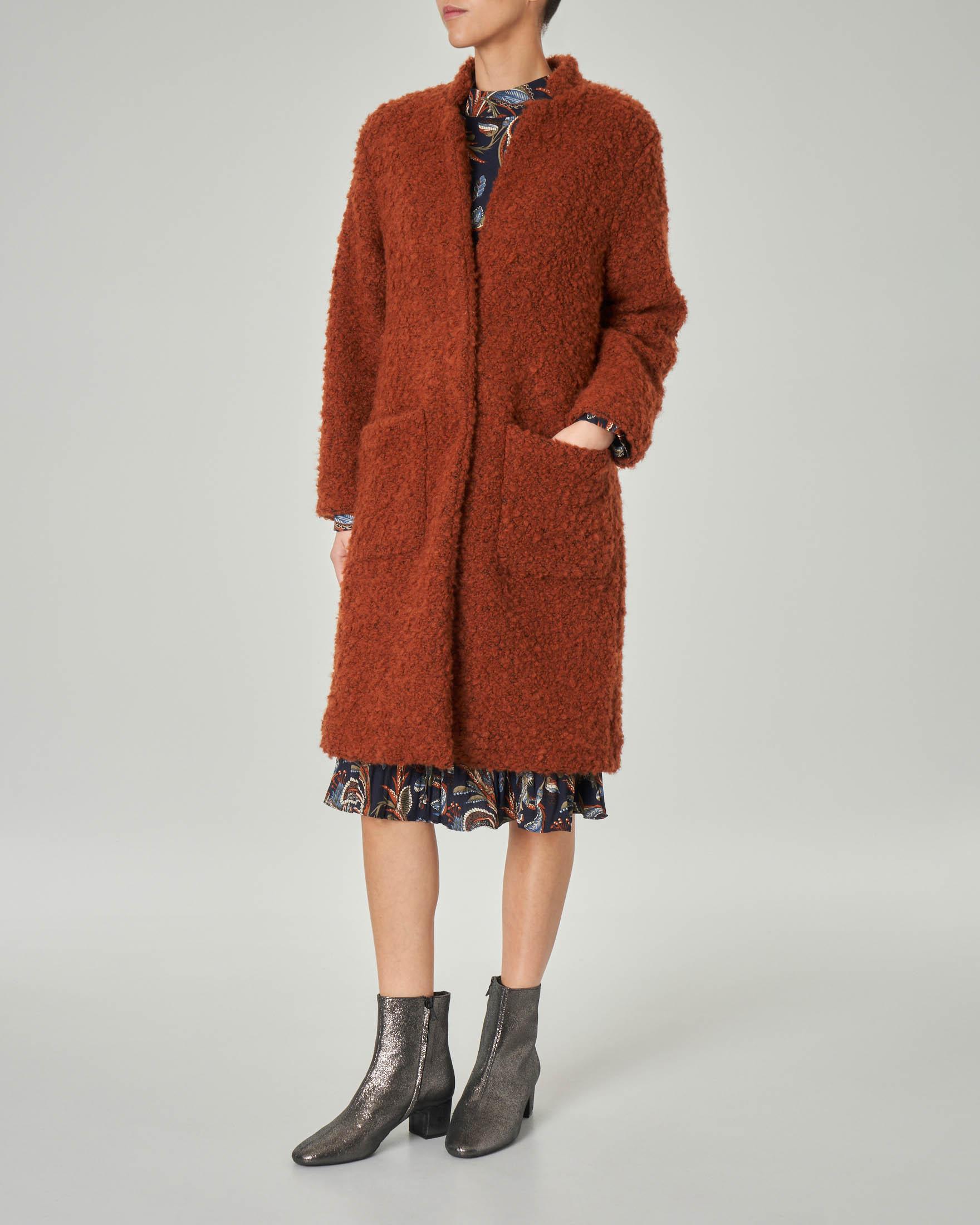 Cappotto teddy color bruciato con colletto in piedi