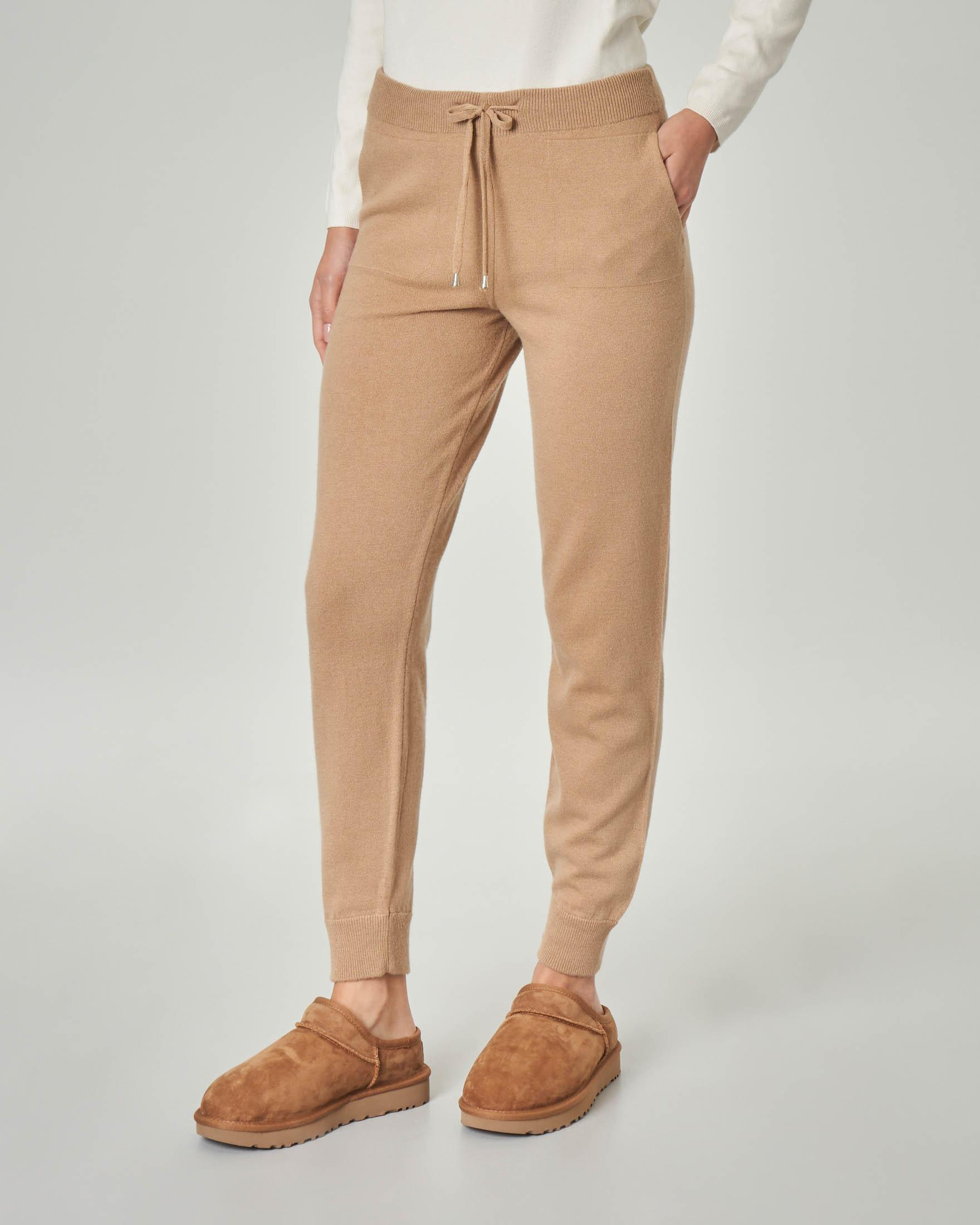 Joggers color cammello in lana misto viscosa con fascia elastica in vita