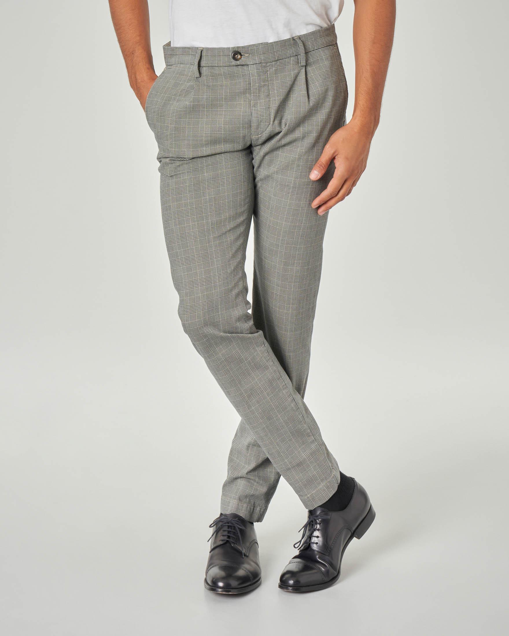 Pantalone chino grigio principe di Galles con una pinces