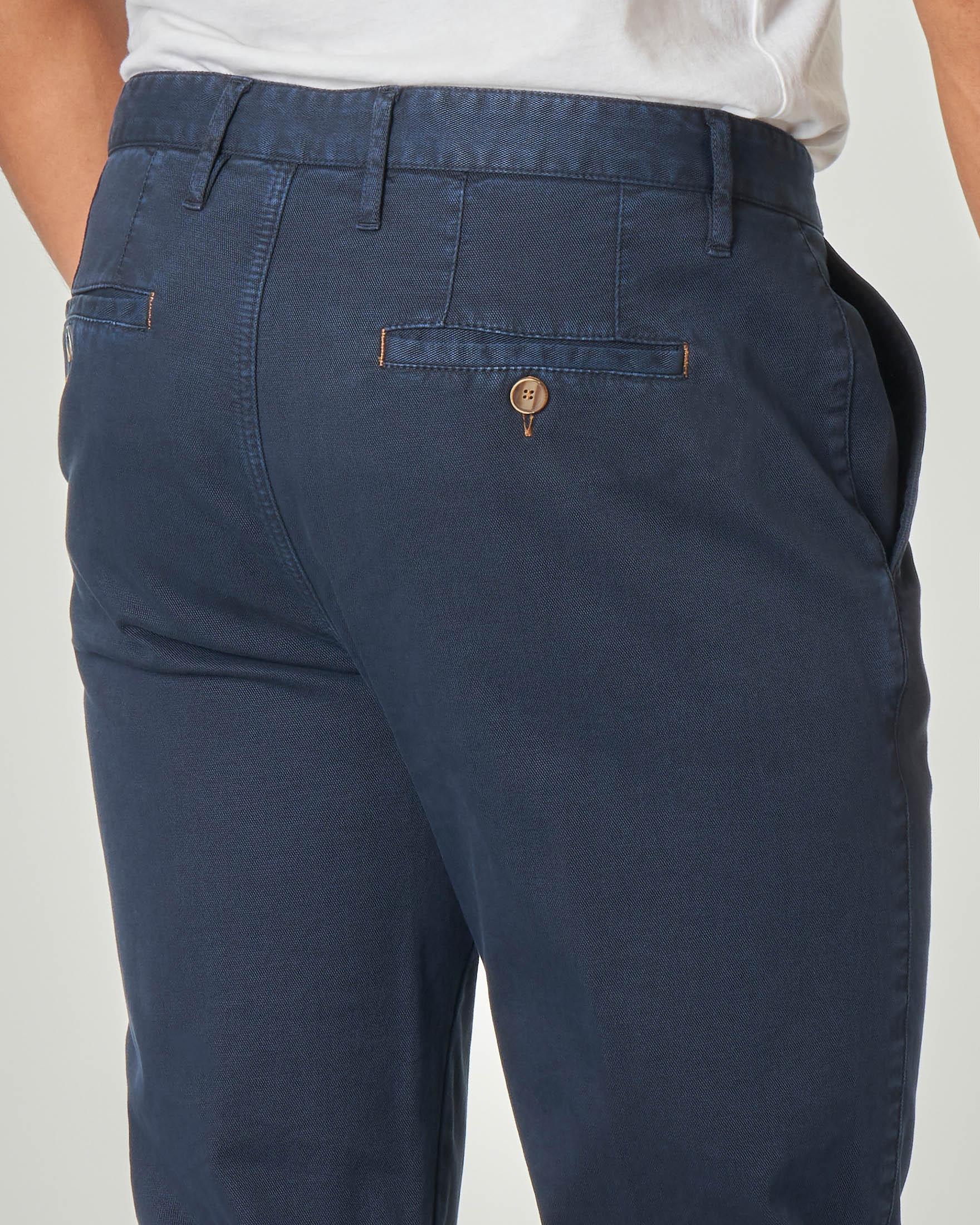 Pantalone chino blu micro-armatura in cotone stretch