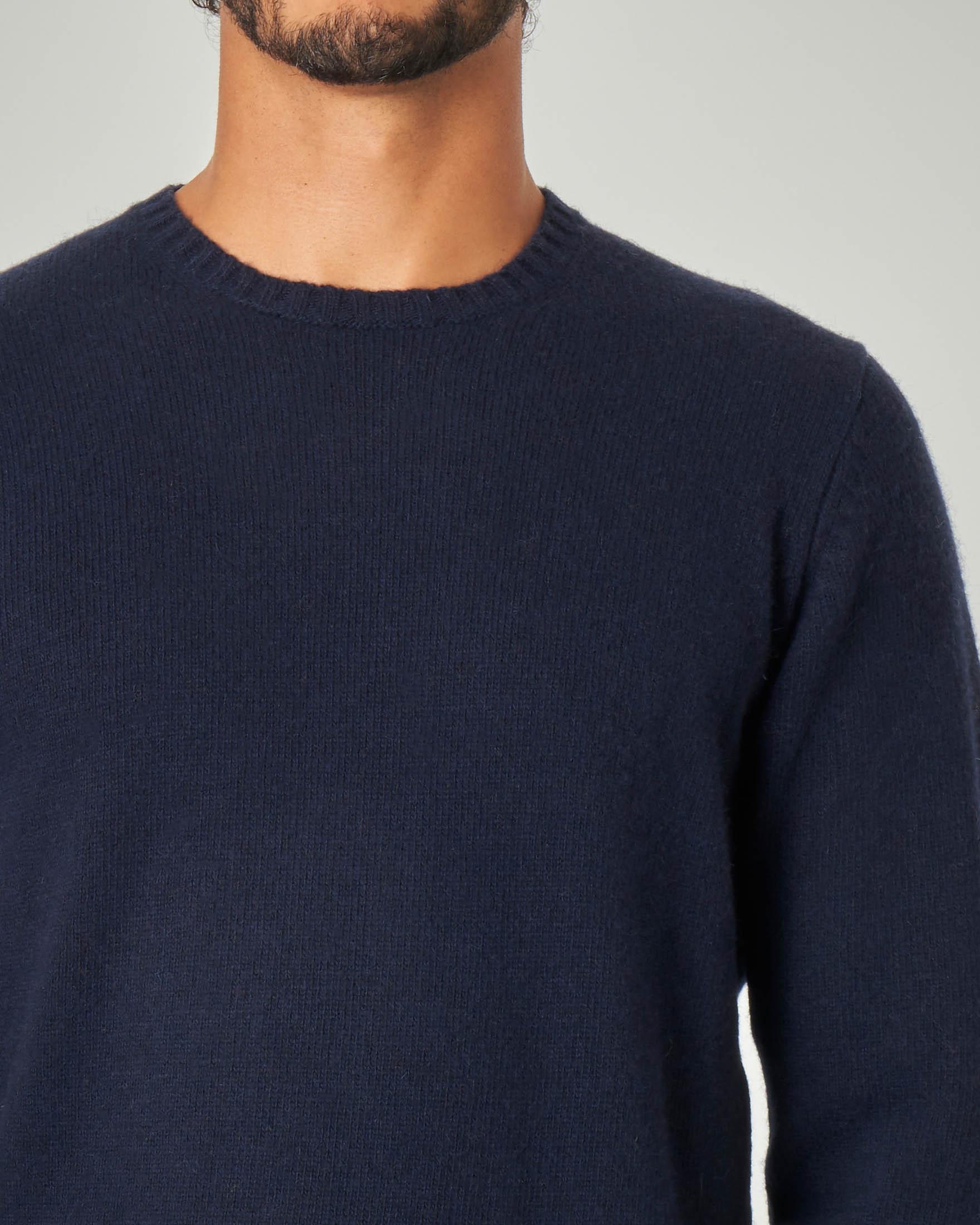Maglia girocollo blu in lana sulla finezza 7