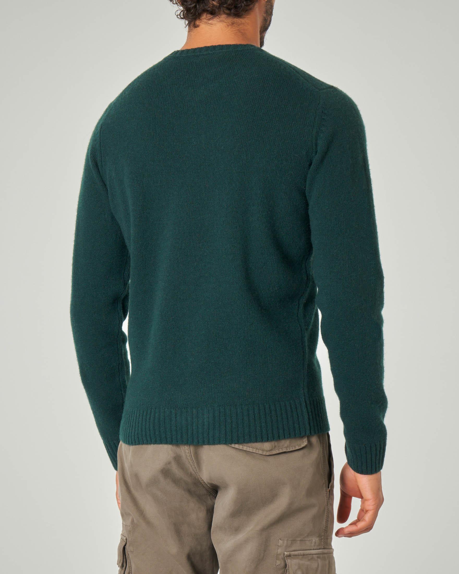 Maglia girocollo verde scuro in lana sulla finezza 7