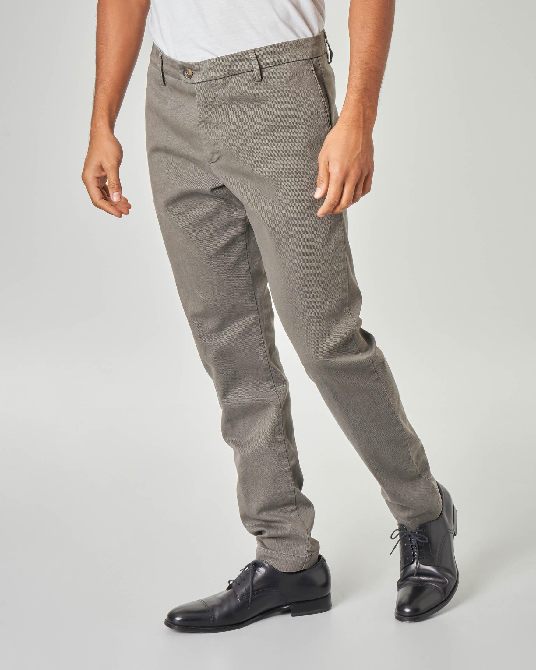 Pantalone chino color tortora in drill di cotone