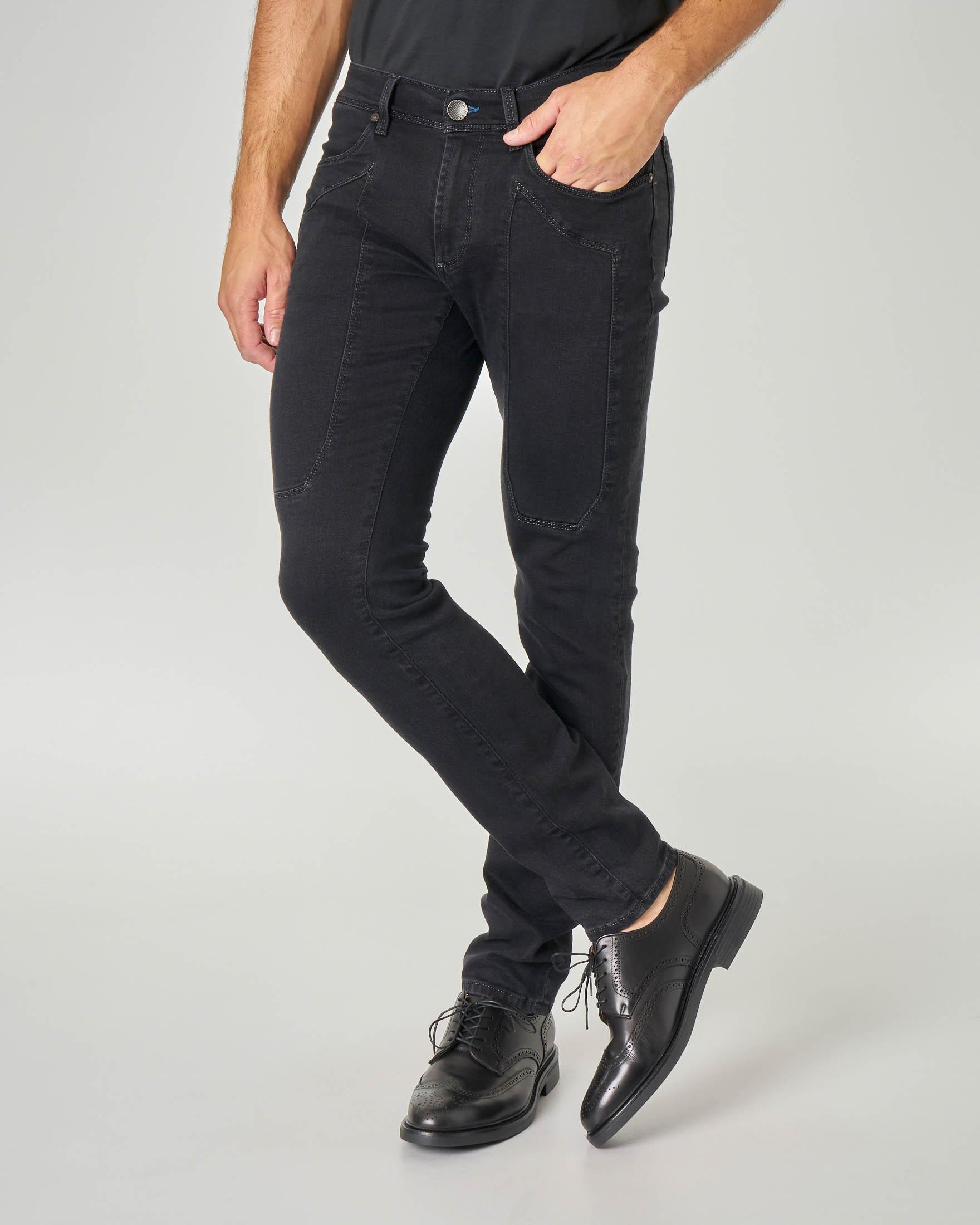 Jeans PA077 con toppa lavaggio nero
